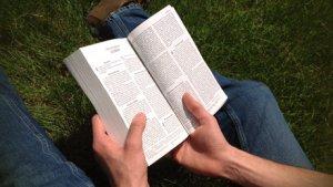bible-open-to-james(460).jpg