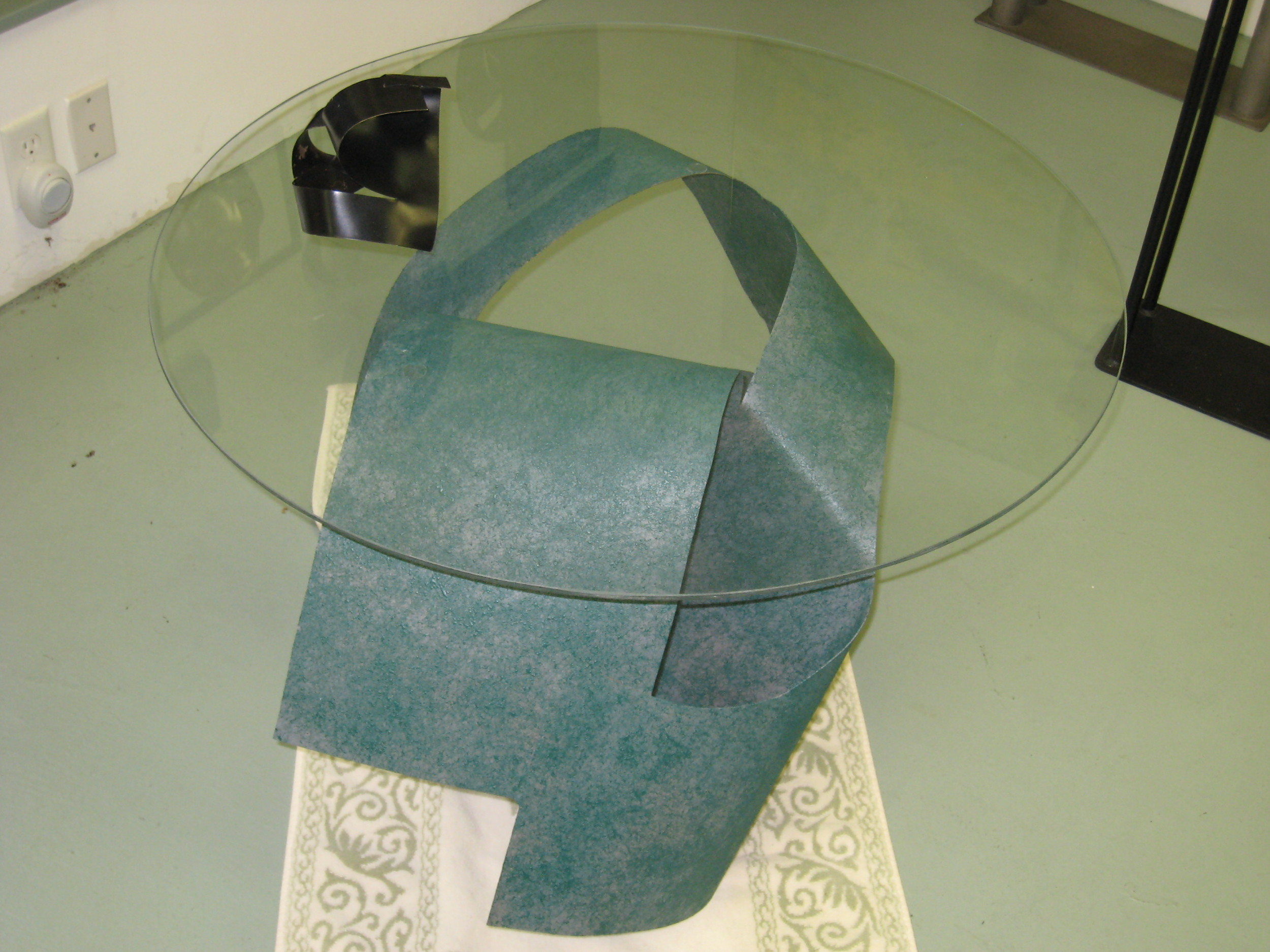 E-Cocktail Table