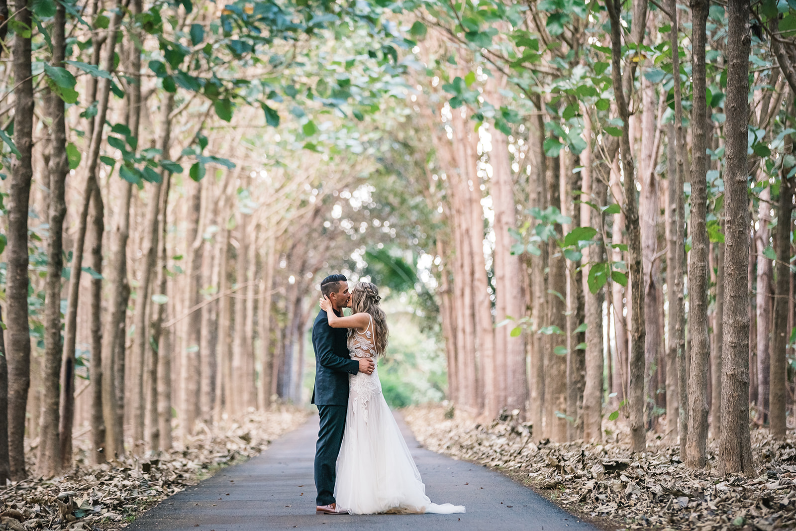 Jennifer & Johnny, Na'Aina Kai wedding