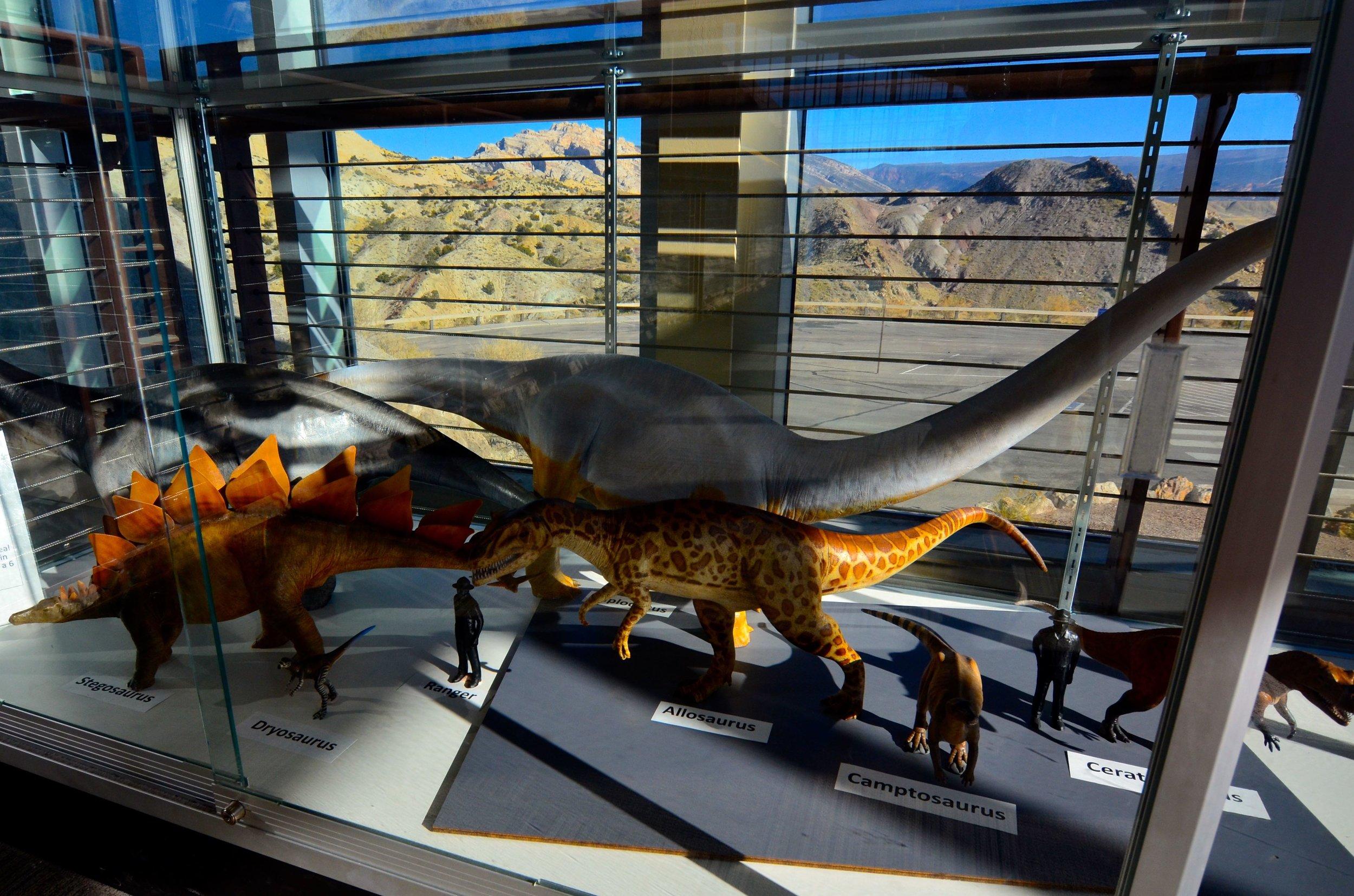 Dinosaurs_07.jpg