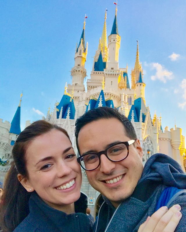 Disney World was such a blast! So much fun to relive the magic 😀🐭✨ . Check out the story highlight on my profile for some of the park shenanigans 🙌🏼 . . . . #disney #waltdisneyworld #disneyworld #adventureon #travel #artofwanderlust #wanderlust #disneyland #disneyfans #magickingdom #epcot #animalkingdom #hollywoodstudios #pandora #florida #orlando #orlandofl