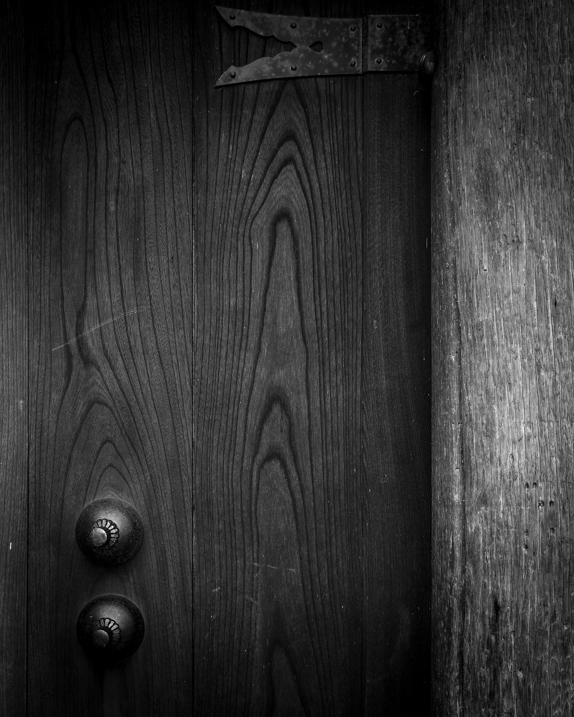 templedoor.jpg