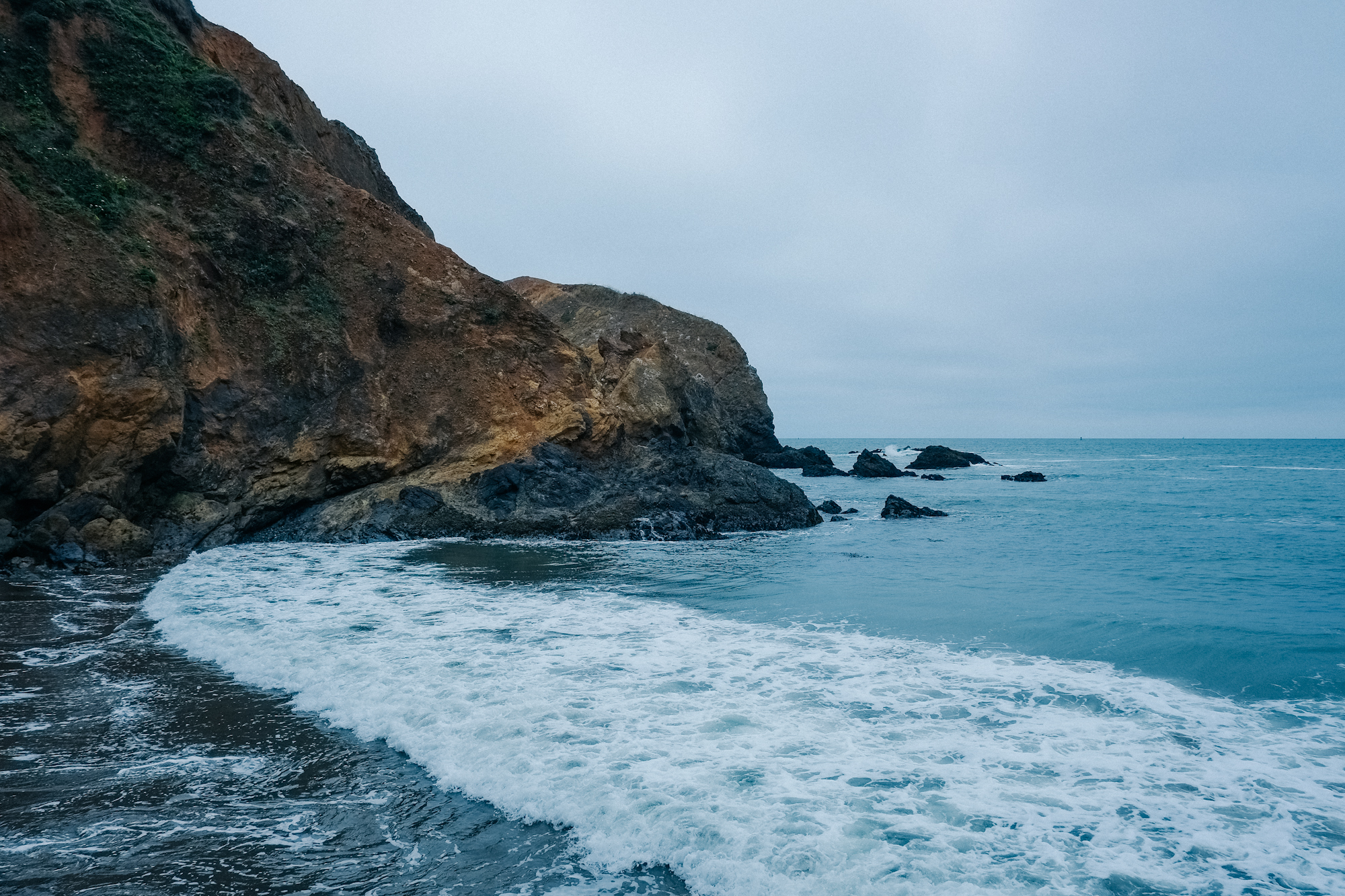 A cove slightly north of Point Bonita. The sound of the waves on the rocks here was beautiful.