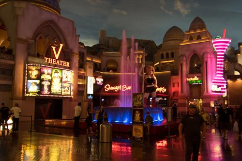 Faking it in Vegas - interior scene in a shopping mall