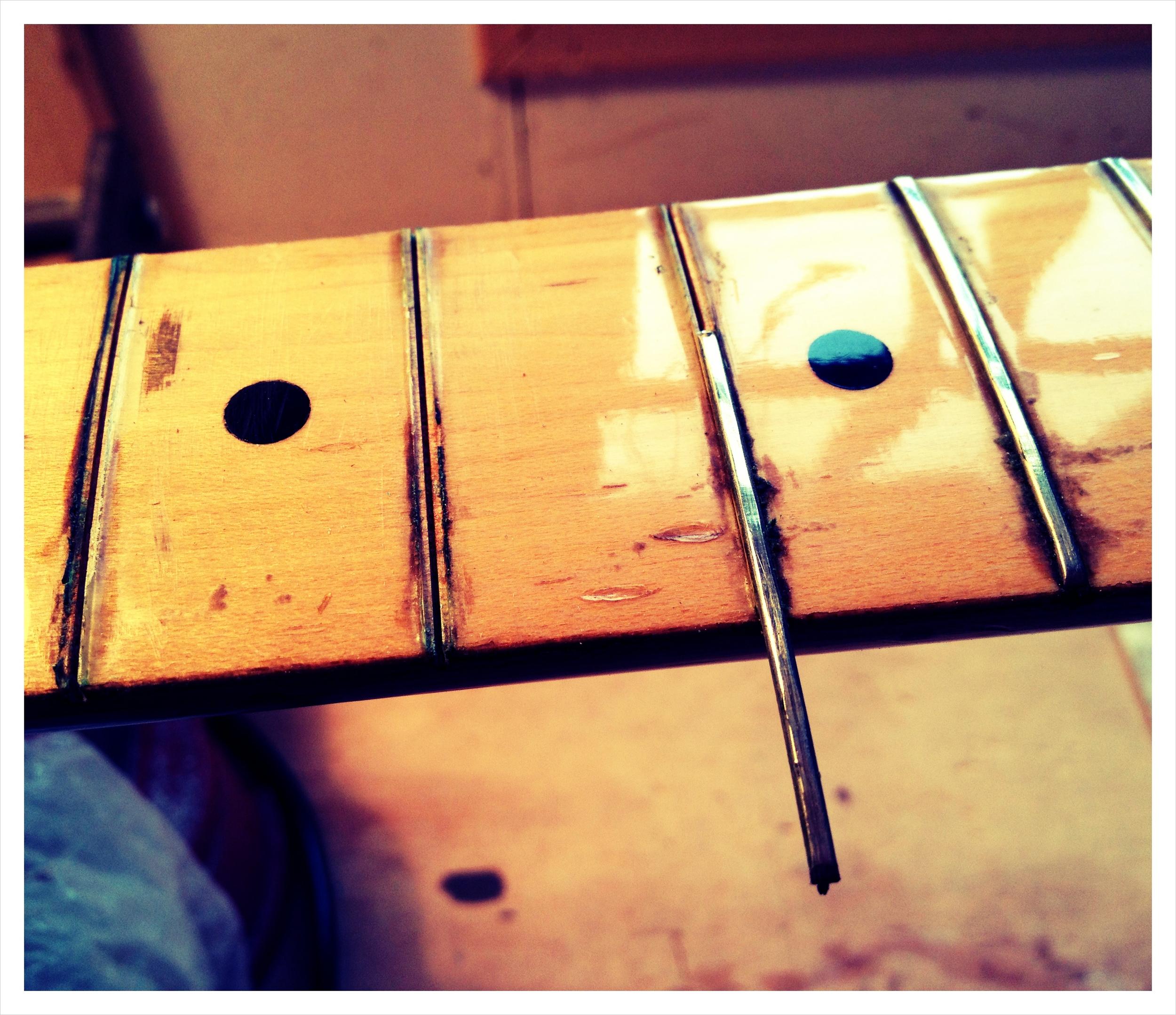 Sideways fret - refret '70s Fender Strat