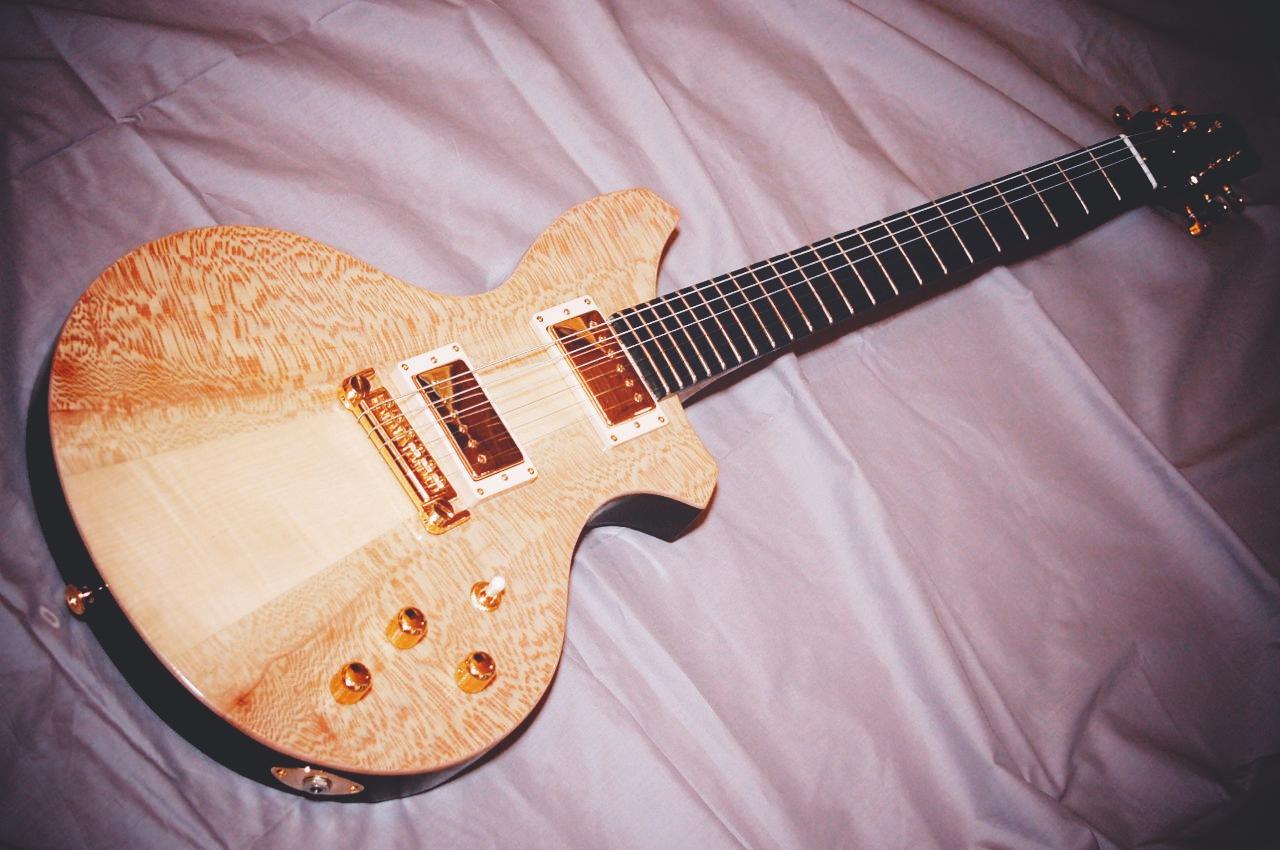 haze guitars burlesque04.jpg