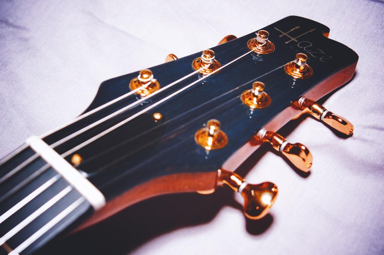 haze guitars burlesque07.jpg