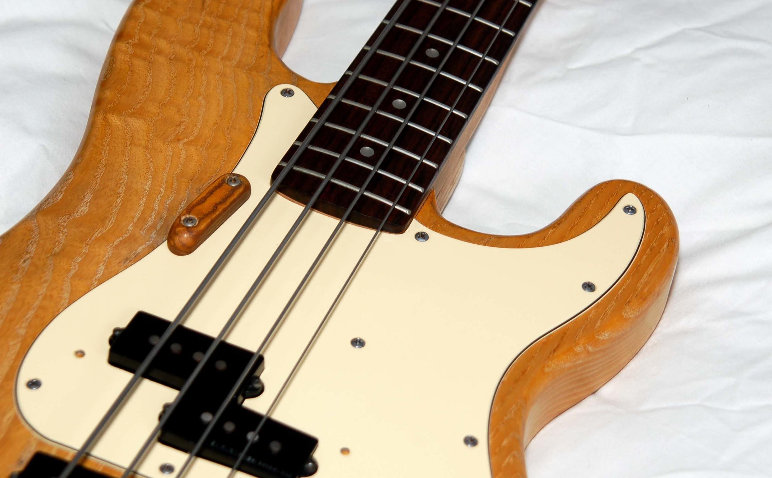 P² Bass