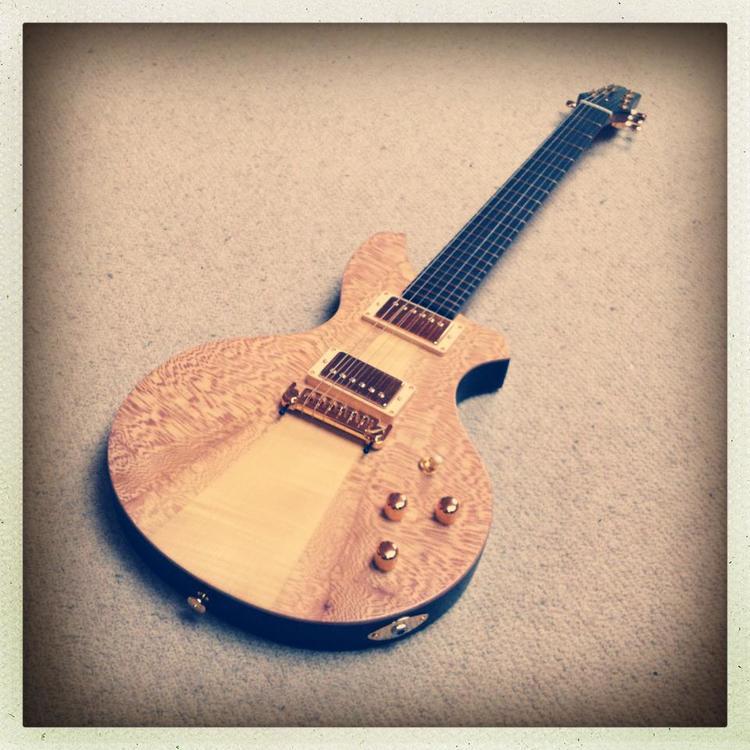 Haze Burlesque Guitar.jpg