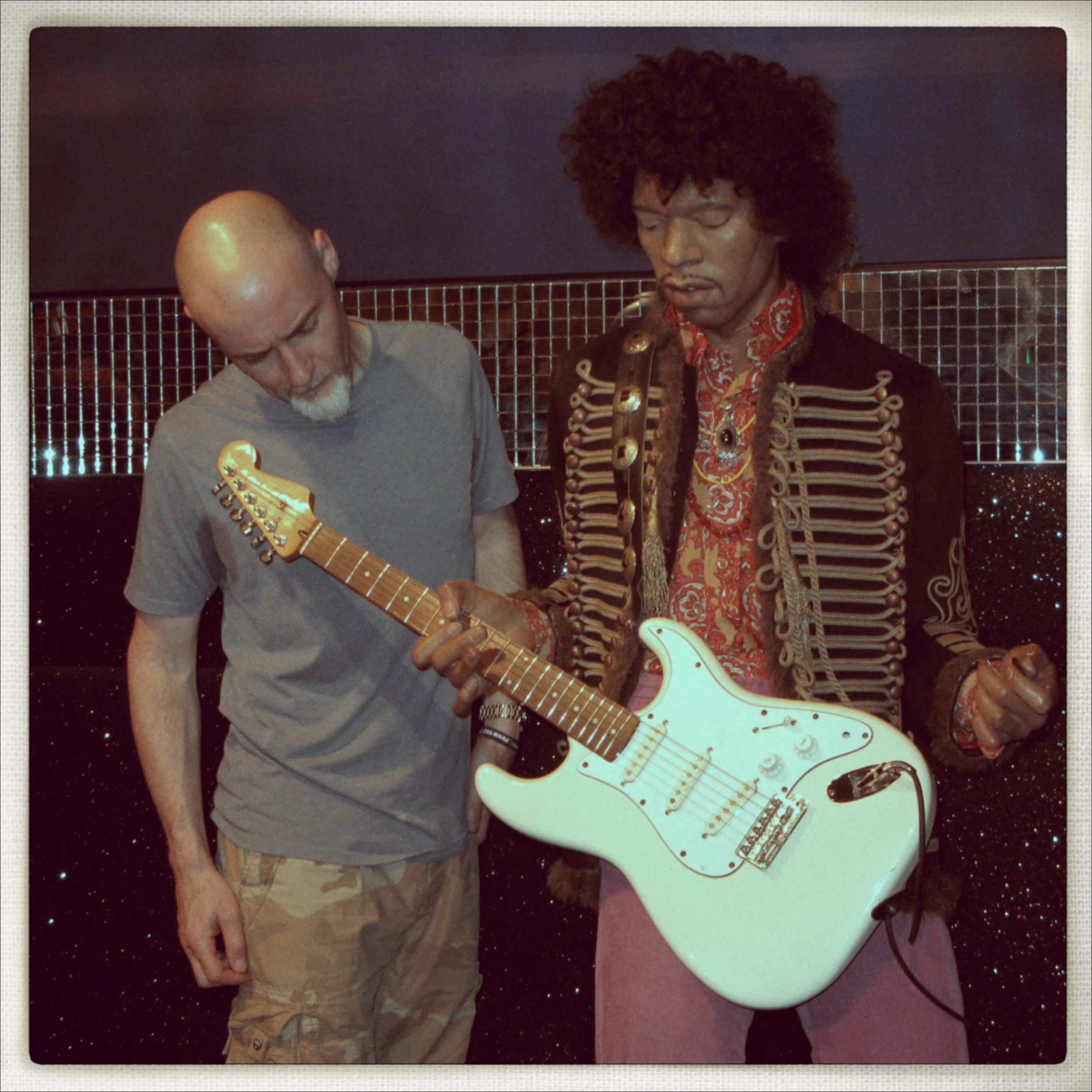 Gerry Hayes explains setup to Jimi Hendrix