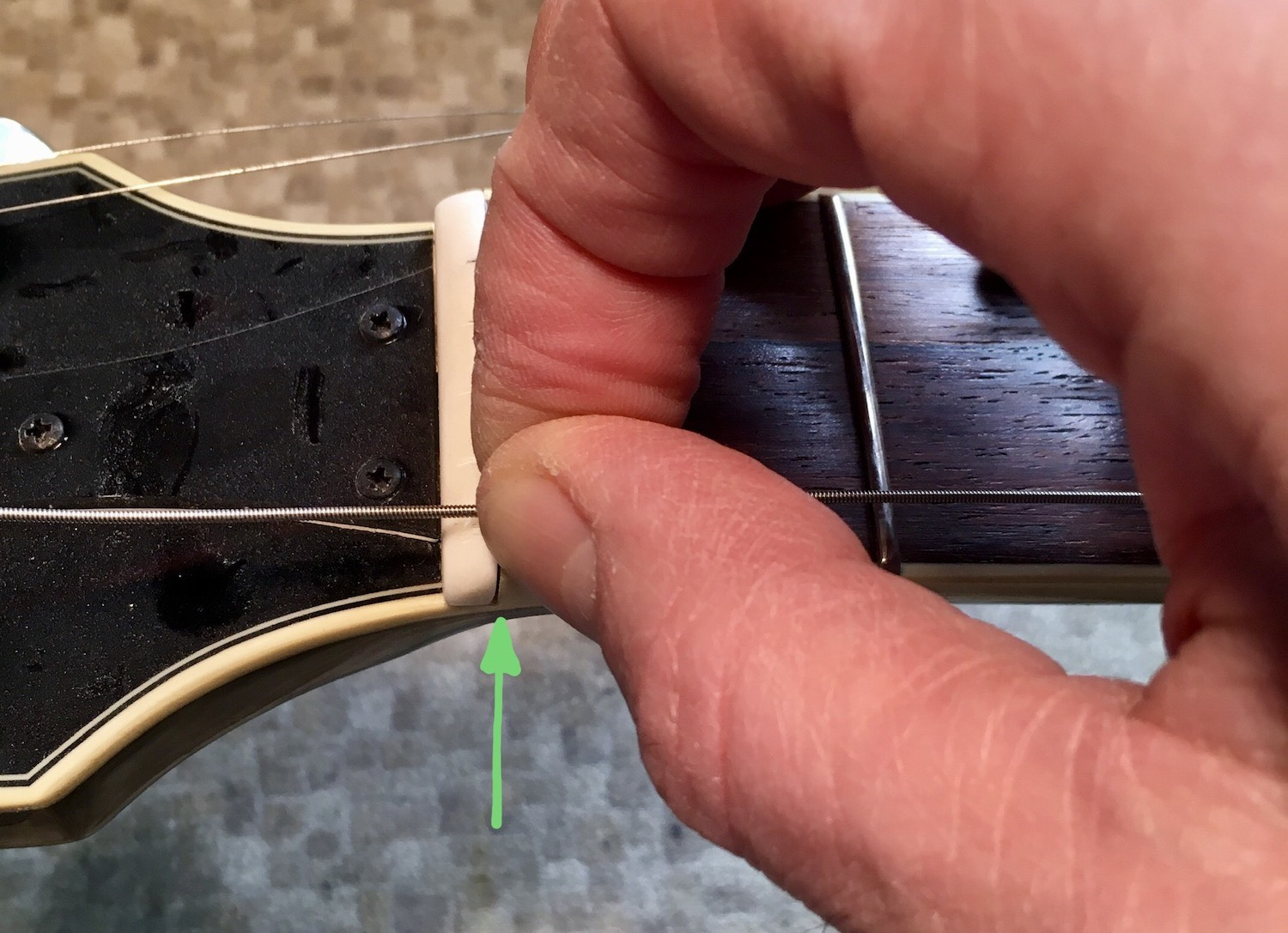 Guitar Stringing technique 1: Starting Position