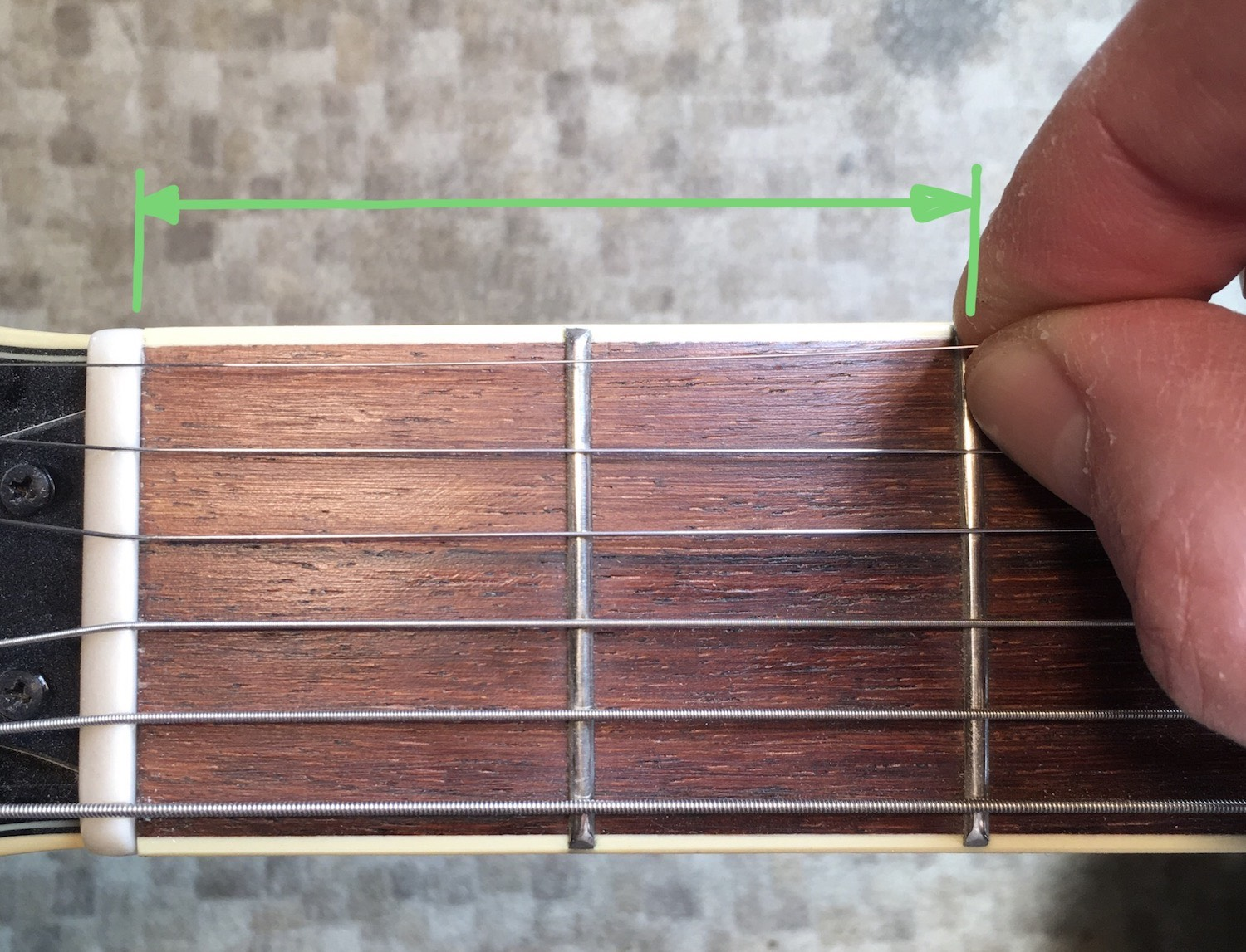 Guitar Stringing technique 4: Each string gets a little longer until you're here for the top string