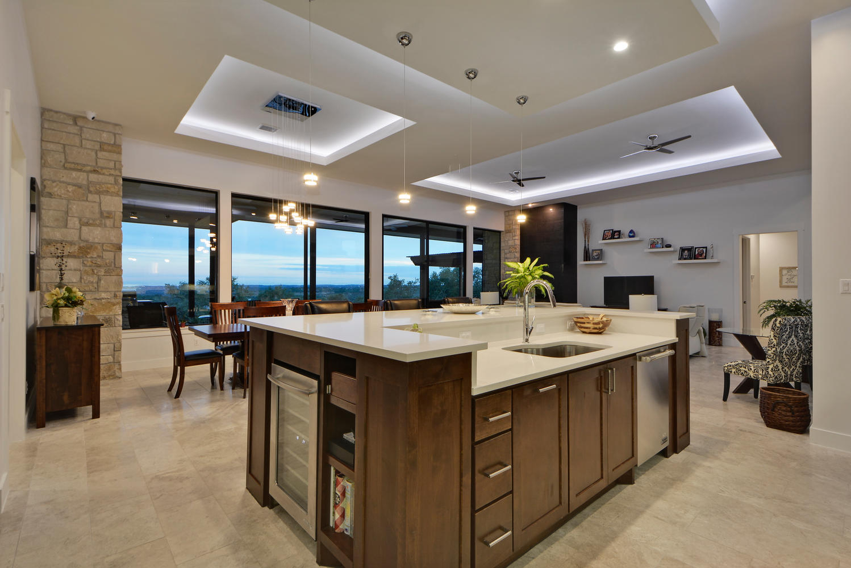8101 Magnolia Ridge Cove-large-022-15-Kitchen and Breakfast 11-1499x1000-72dpi.jpg