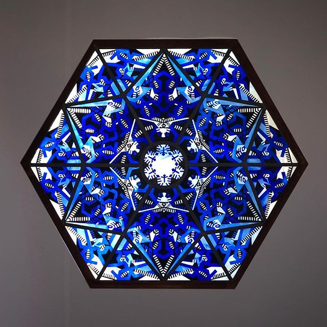 One of the highlights in the new #architecturalglass exhibition in @glasmuseum - Thorn Prikker, stained glass window, 1920  #glasinzicht #stainedglass #art #artsandcraft #blue #abstract #geometricpatterns