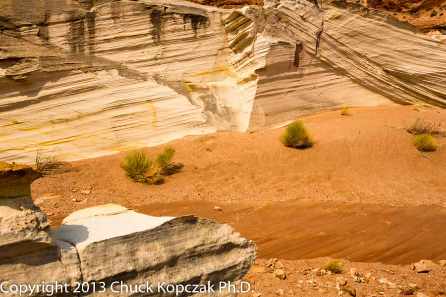 2013-07-05 striated rock faces-plants-red sand-900px.jpg