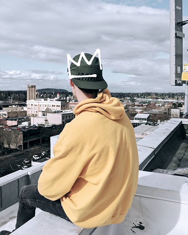 👑 . . . #thatsimmoral #wearthecrown #apparelbrand #fashion #pnw #snapback #headwear #seattlefashion #design #streetwearbrand #streetstyle #apparel #clothingline #lifestylebrand #newclothingbrand #brandlaunch  #campcap #seattlefashion #lookbook #fashiondesign #style #cap #snapbackhat
