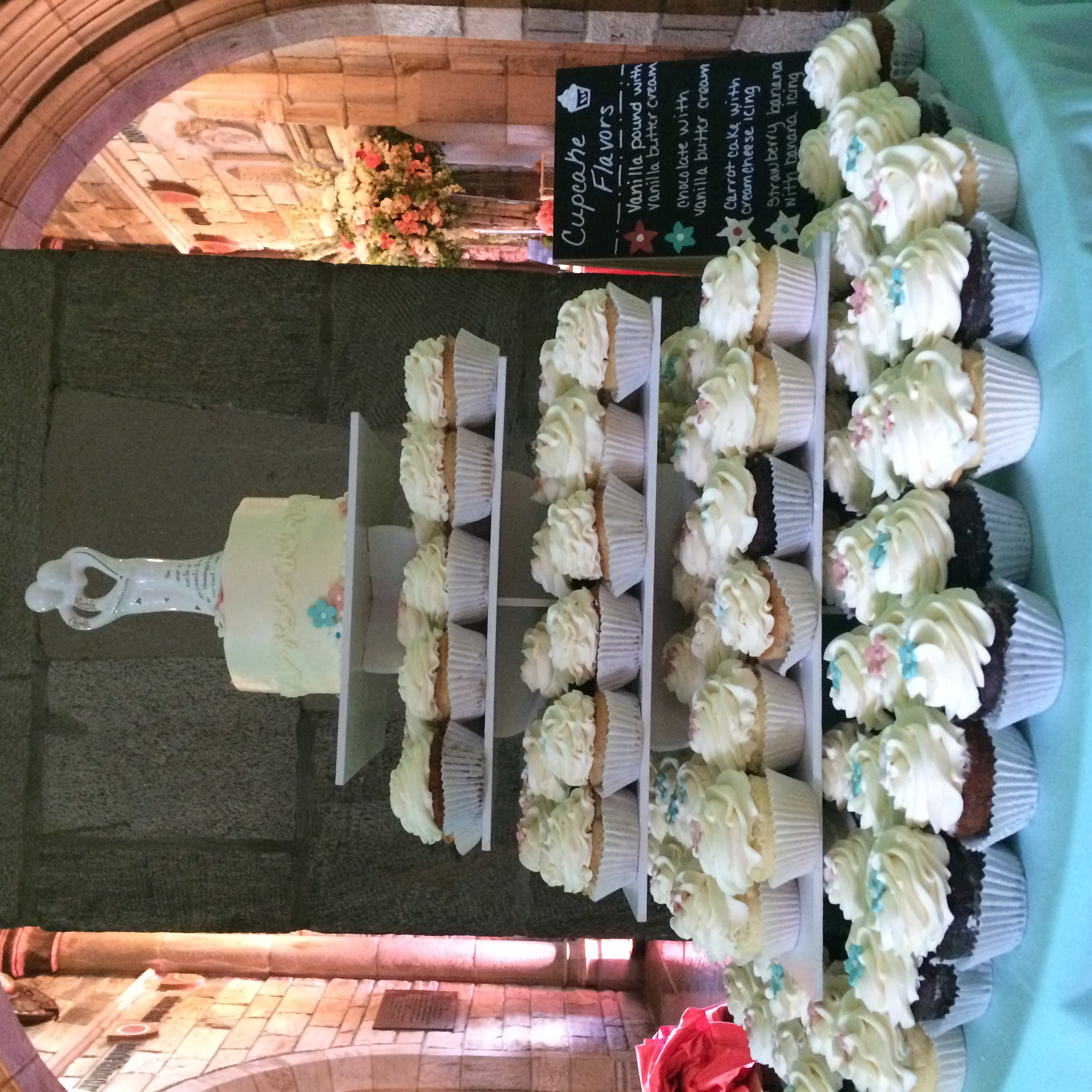 Cupcakes and a Cake for a Wedding