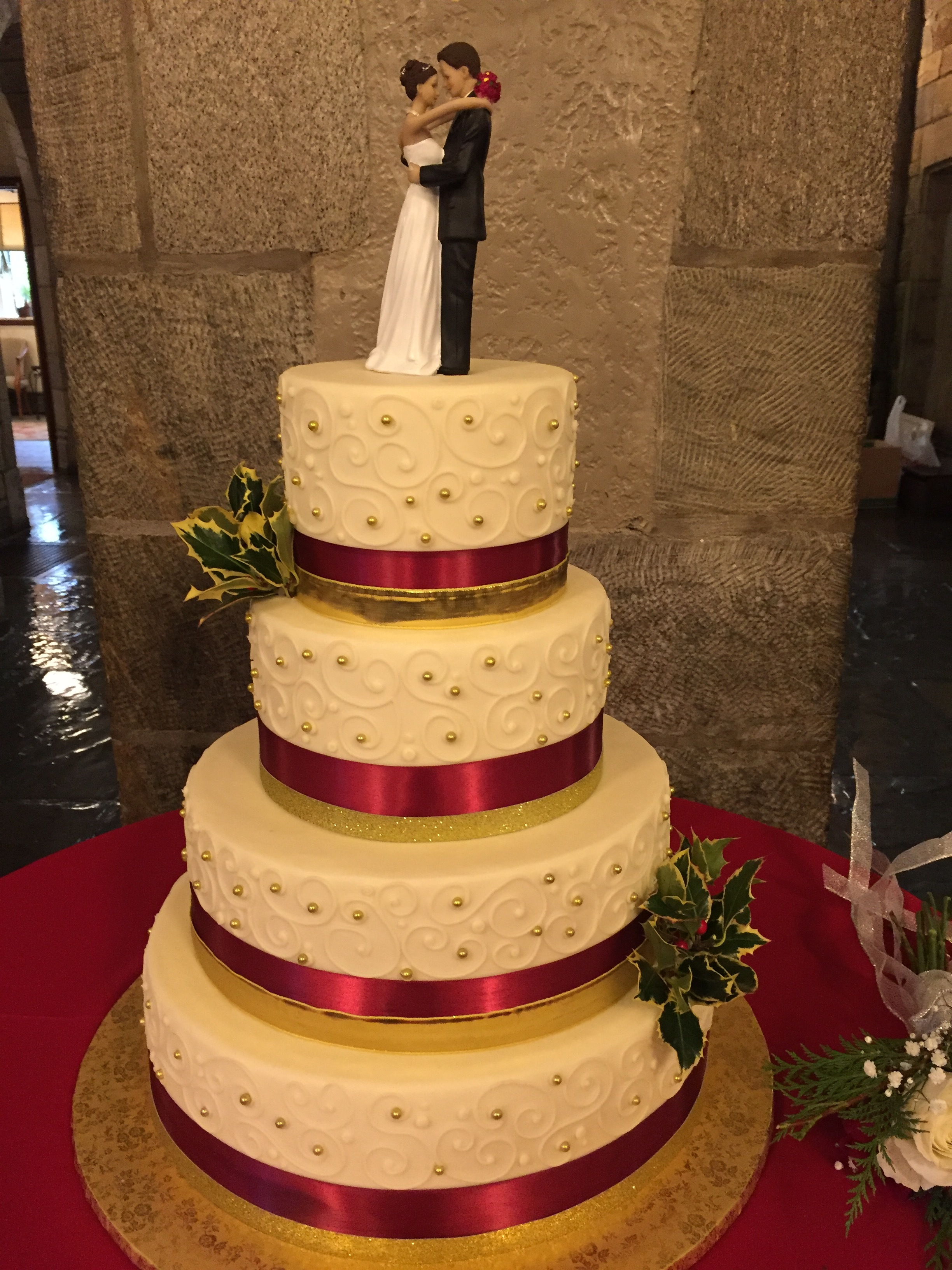 Holly and Berries December Wedding Cake