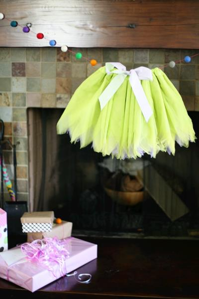 baby shower garland idea 1.jpg