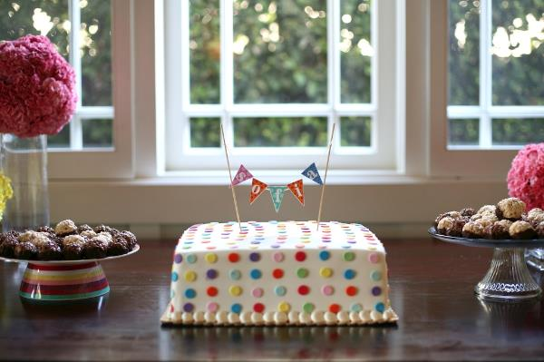 baby shower cake polka dots (1).jpg