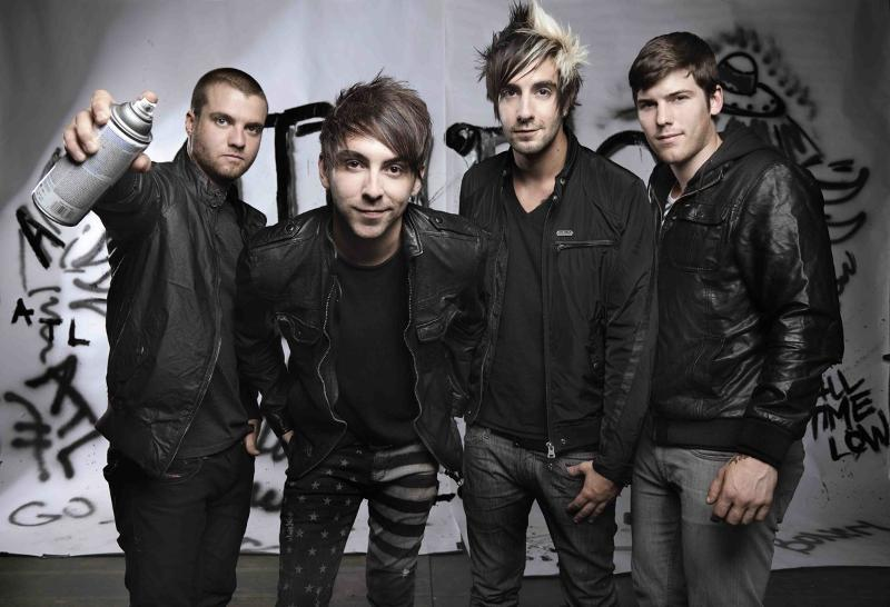 All-Time-Low-2012-Promo-Photo-Dont-Panic.jpg