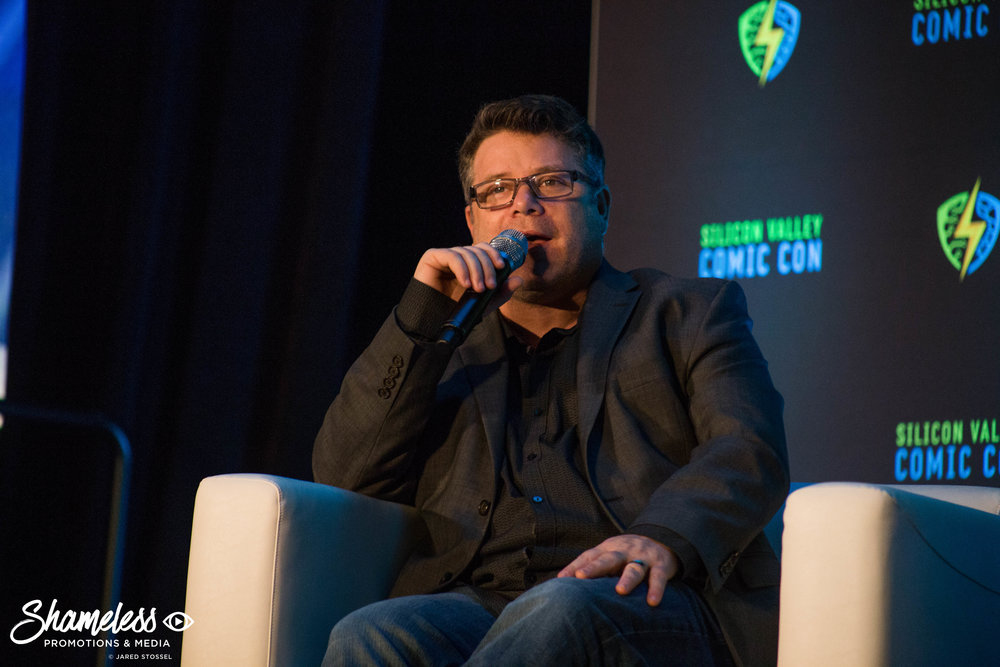 Sean Astin speaking at SVCC 2018. Photo Credit: Jared Stossel.