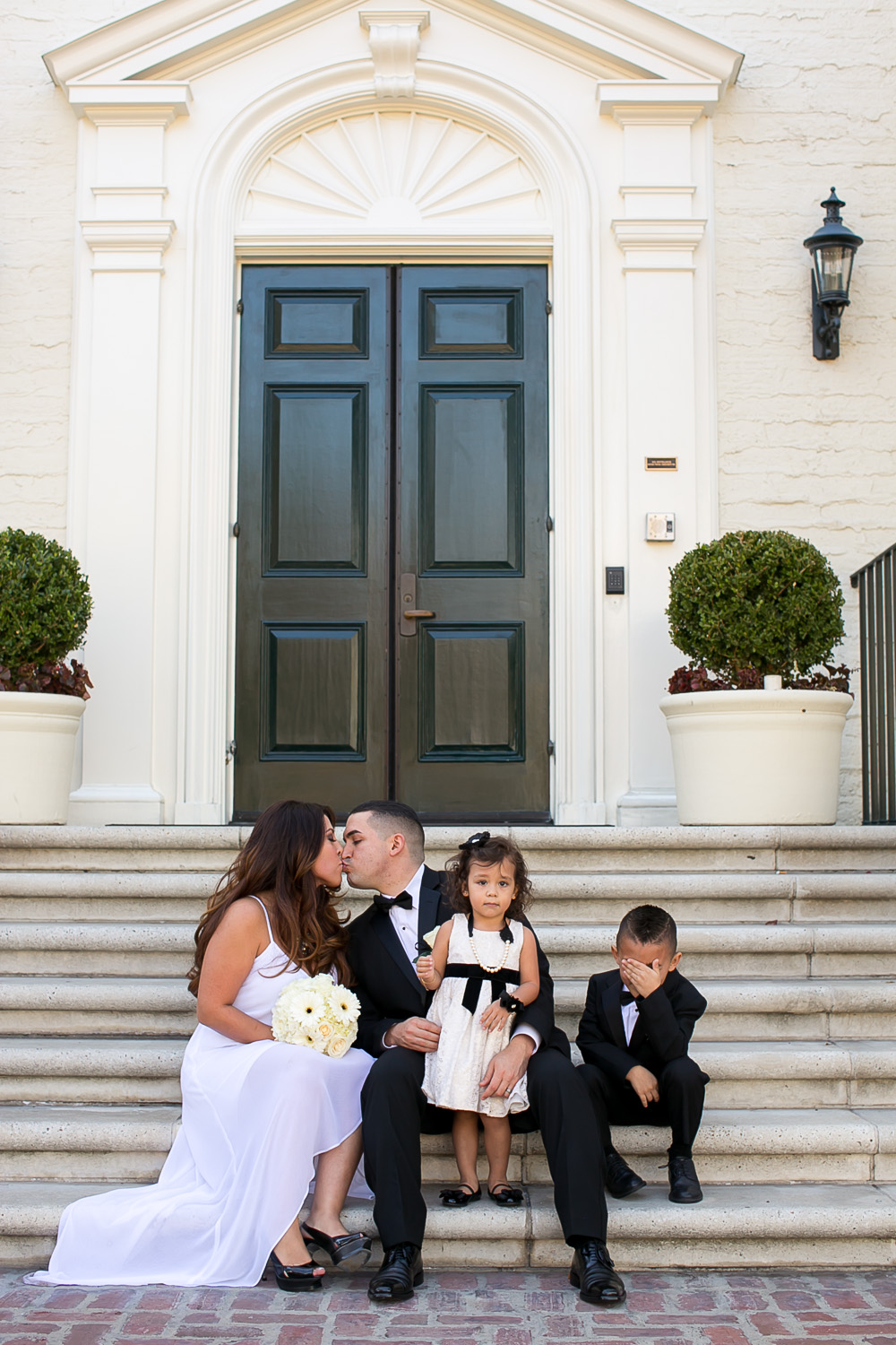 beverly hills courthouse, wedding, love, family, bride, groom, los angeles wedding photography, chris holt photography