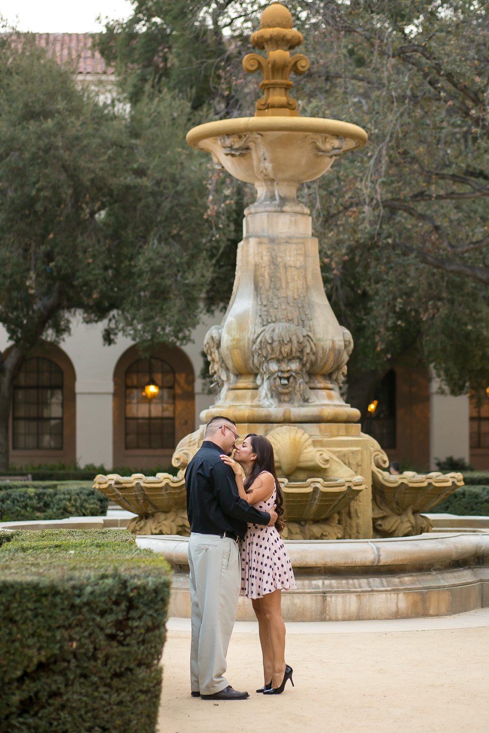 pasadena city hall, engagement session, love, engaged, fiance, water fountain, park bench, chris holt photography, los angeles wedding photography