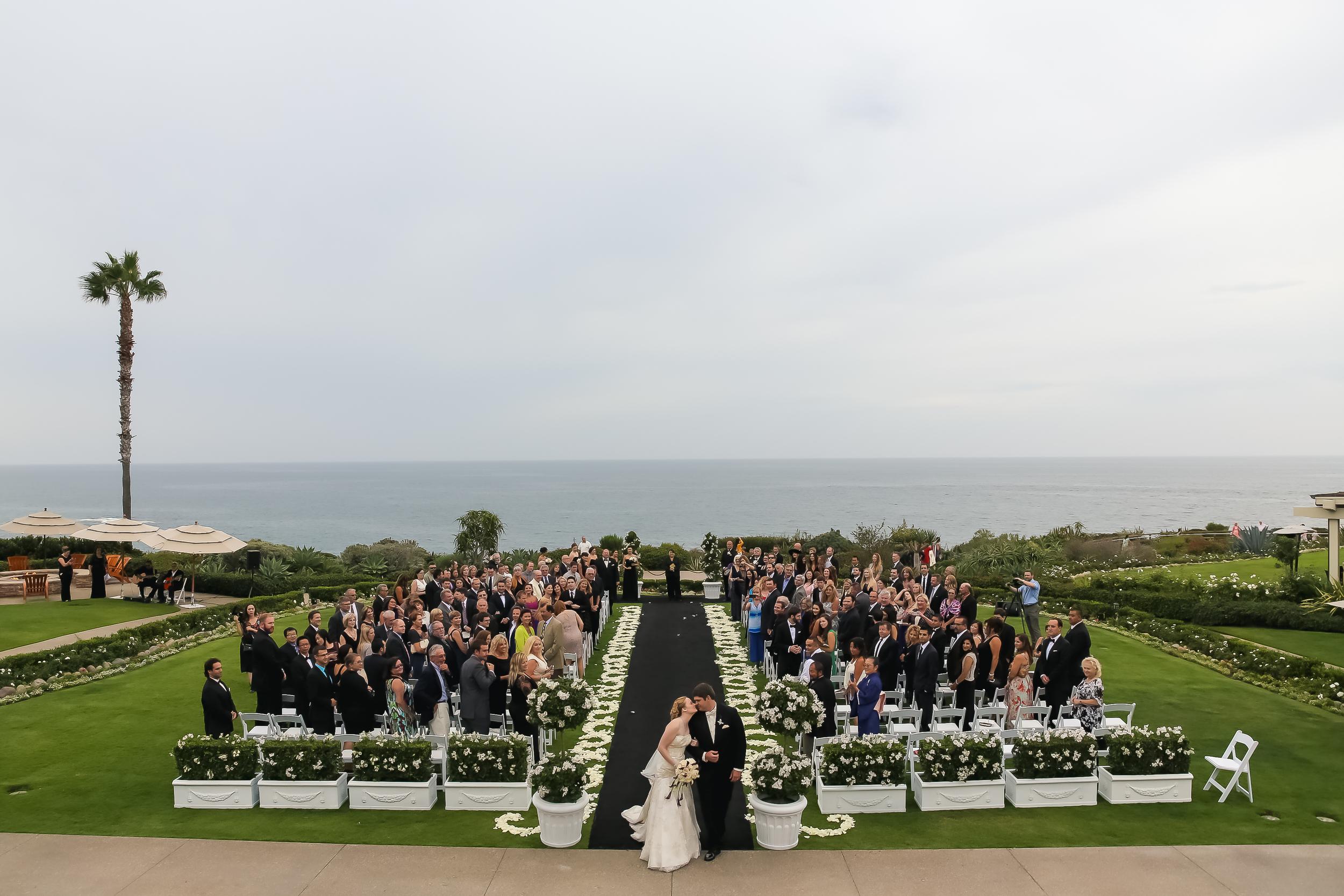 MONTAGE-LAGUNA-BEACH-OUTDOOR-WEDDING-CEREMONY_002.jpg