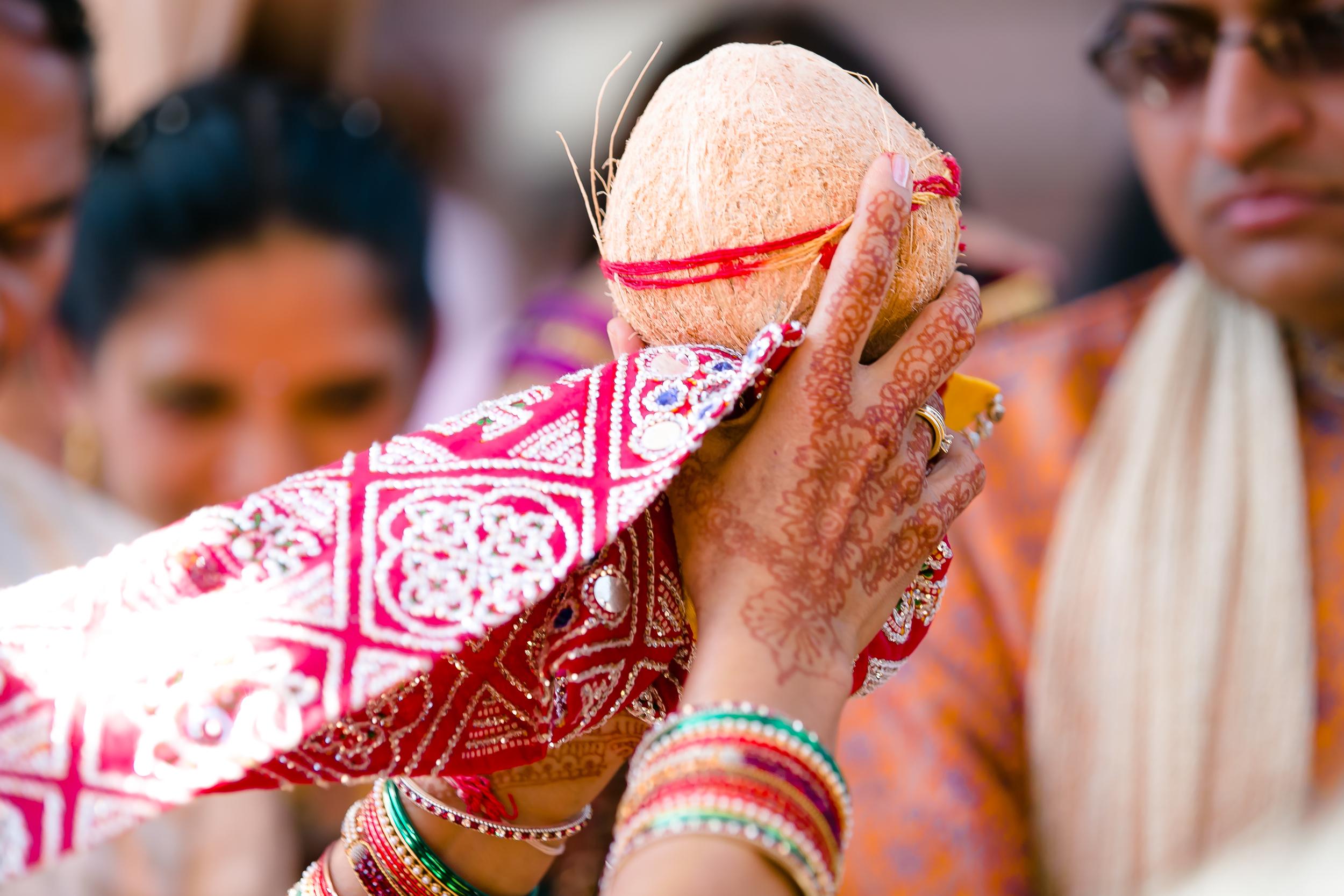 SOUTHEAST-ASIAN-INDIAN-WEDDING_033.jpg