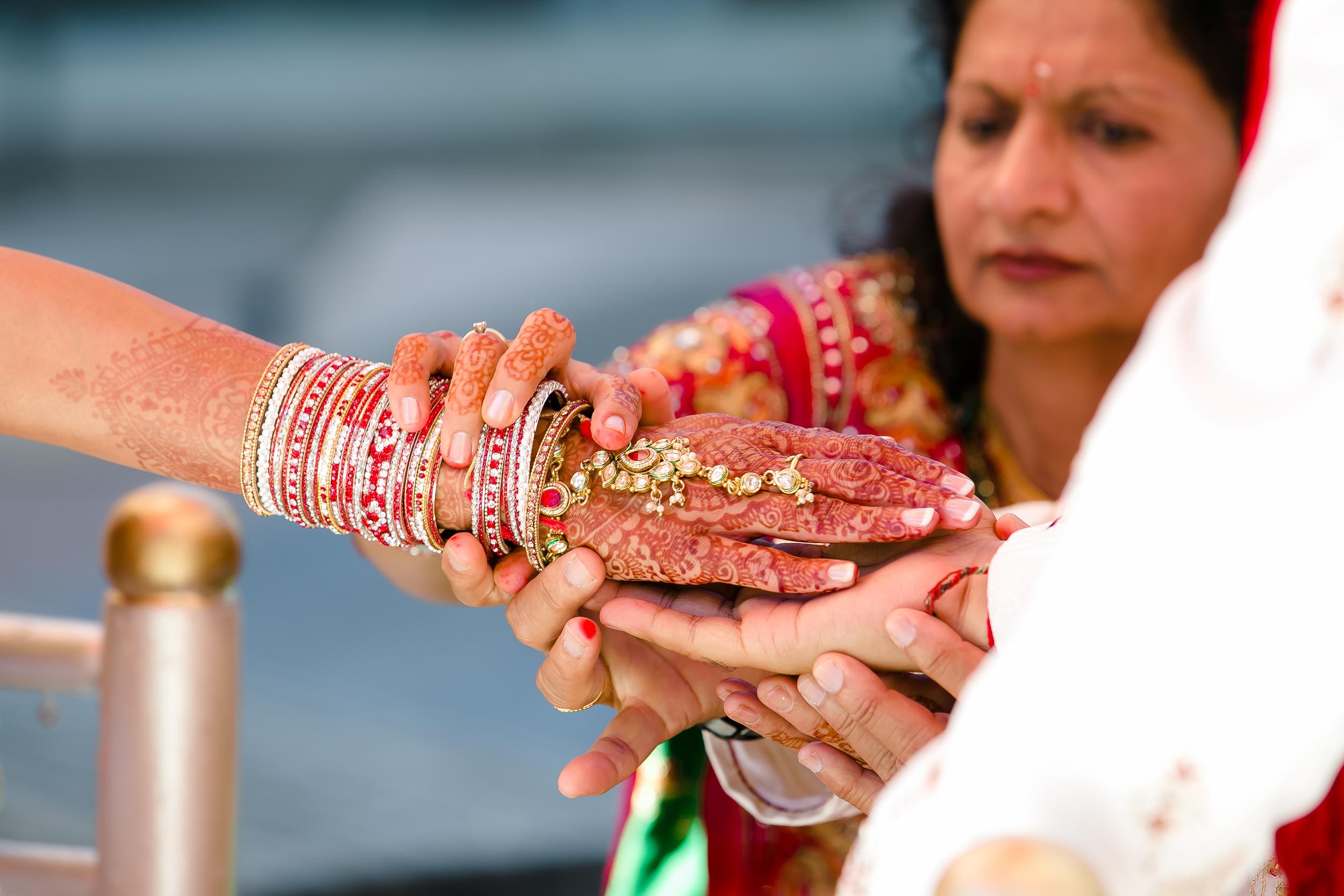 SOUTHEAST-ASIAN-INDIAN-WEDDING_050.jpg