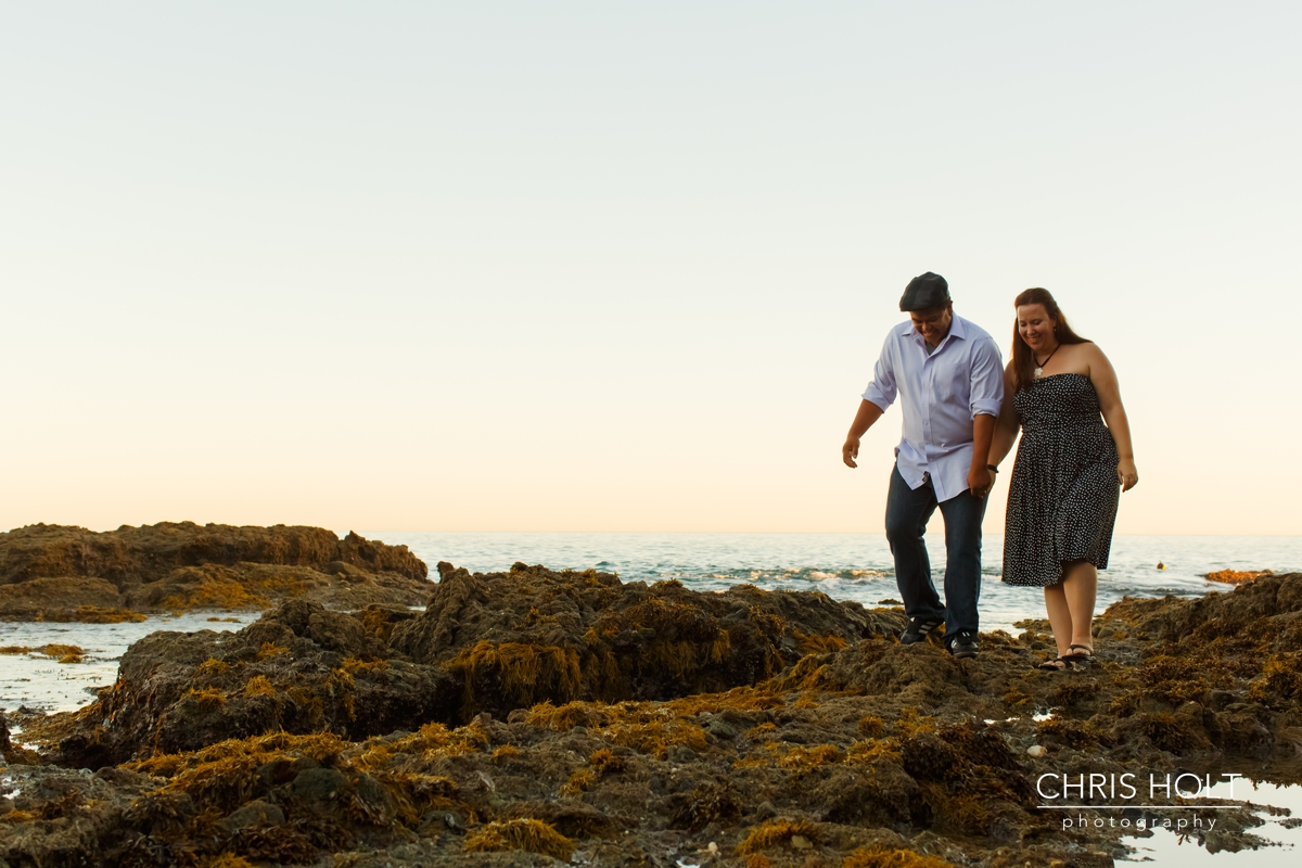 laguna beach, engagement session, portraits, beach, cliffs, shaws cove, engaged, casual, relaxed, professional photographer, chris holt, orange county, outdoor, tidepools, ocean, wedding, sunset