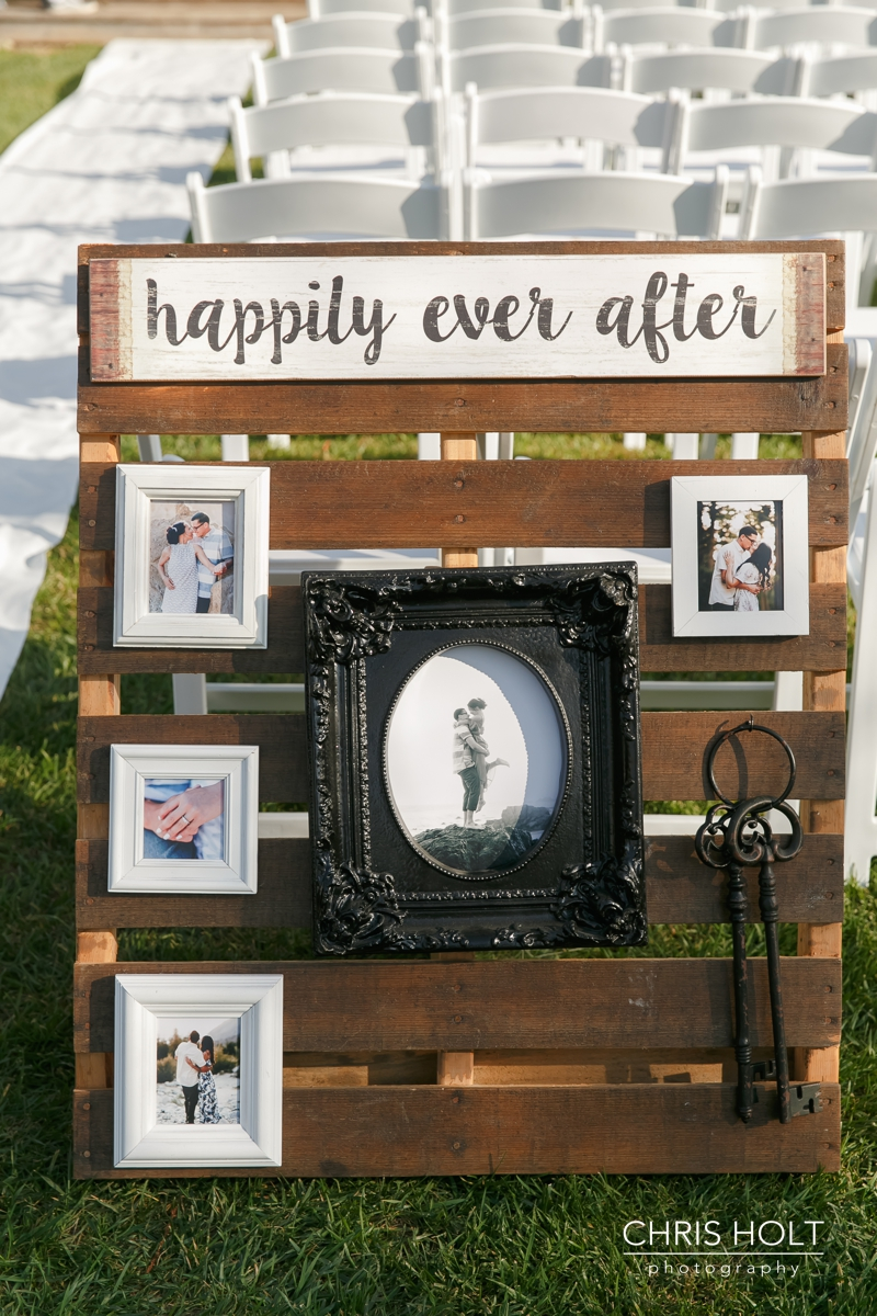 happily ever after diy sign with picture frames