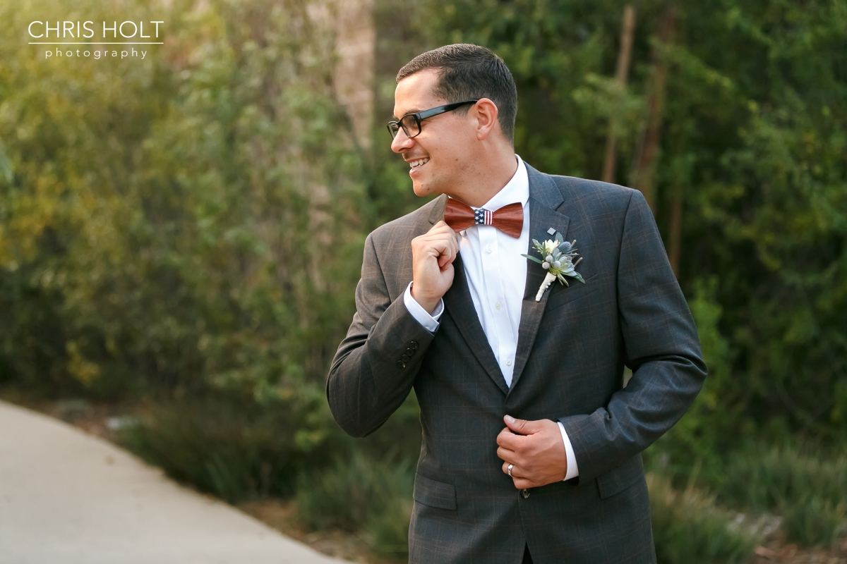 groom portrait with his bowtie