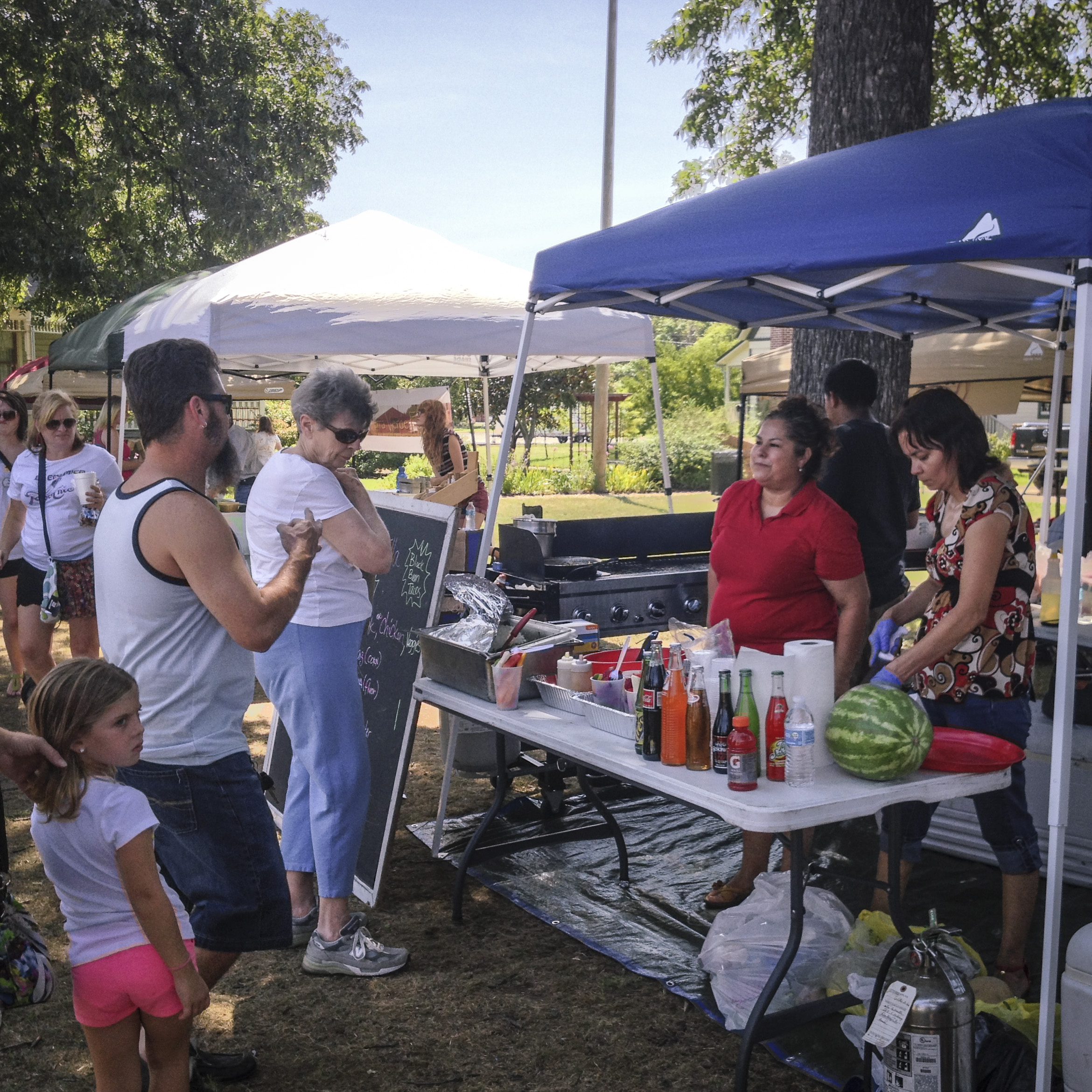 Our local taco faves, La Estrella, were once again out at the Community Market on Saturday. Catch 'em tomorrow at Truckin' Tuesday lunchtime at the downtown DCTA station.