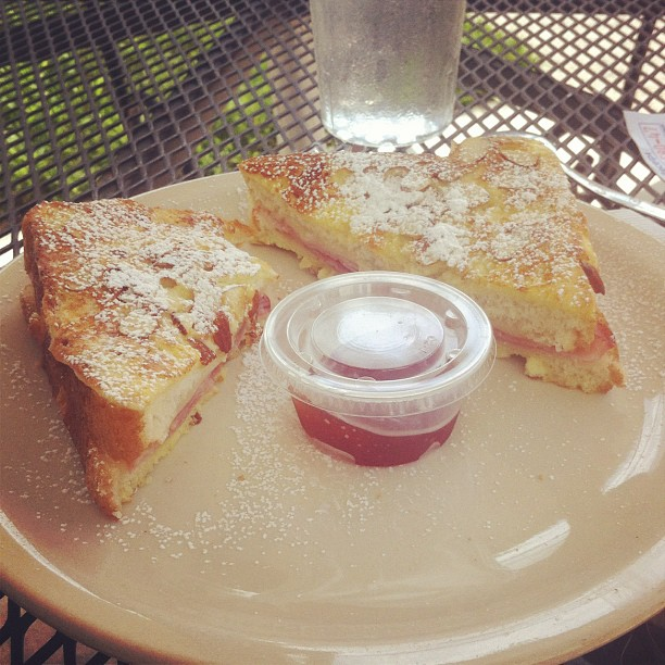Contributer, Naomi Wood ( @NaysNews ) says this monte cristo from Cups 'n Crepes is one of the best sandwiches in town and based on this shot, we're not inclined to disagree.