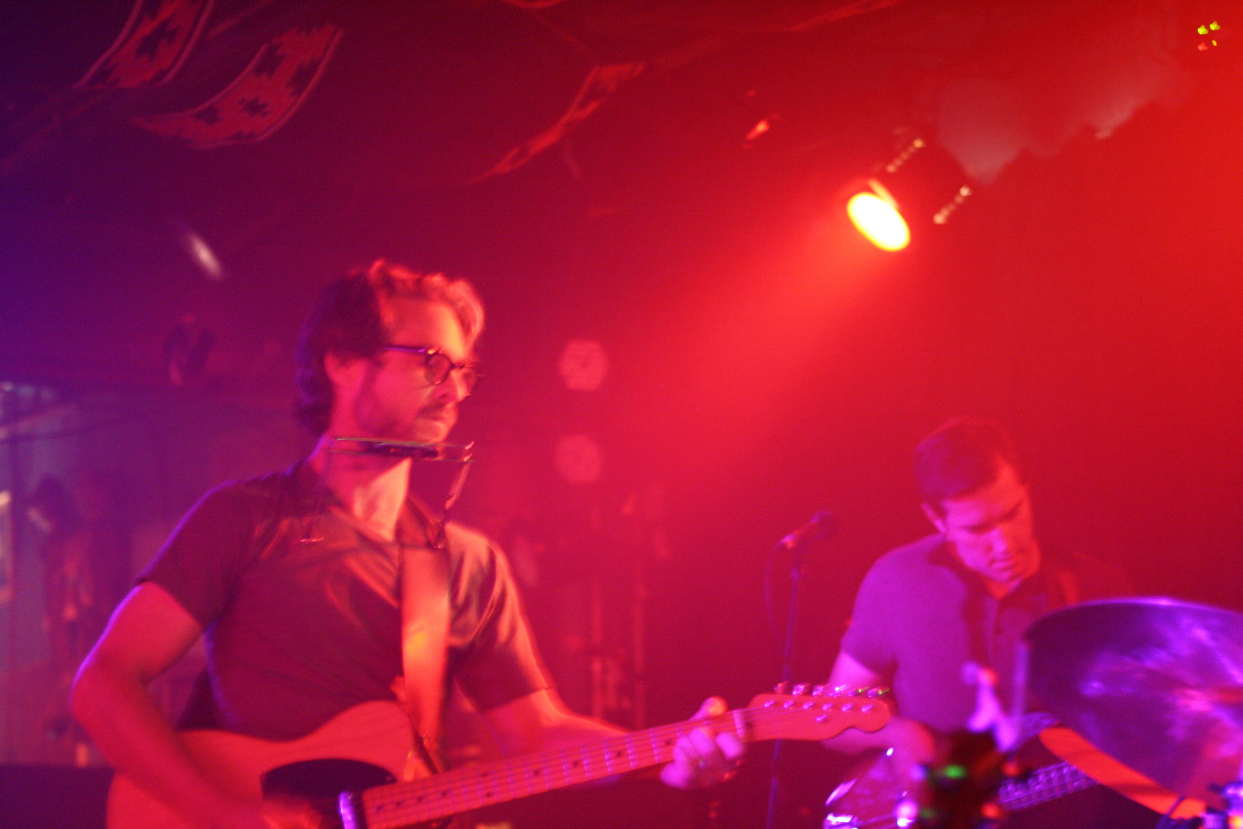 We made sure to be at the Midlake show last week. We're of course always fans of the ever so talented Doug Burr.