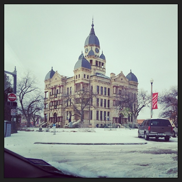 Some leftover icey courthouse shots from Icemageddon courtesy of  @autumnlynn10 .