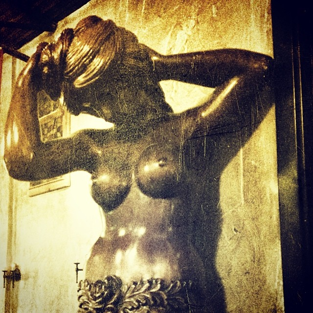 Have y'all ever noticed this awesome statue at the Abbey Inn? We sure haven't. Photo by  @hollyintexas .