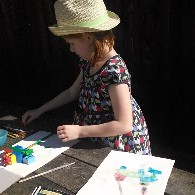 @dartoo  had kids creating masterpieces of their own on the Oak Street Drafthouse patio. We can't blame them, it was a great day for sipping that root beer and puling out those watercolors.