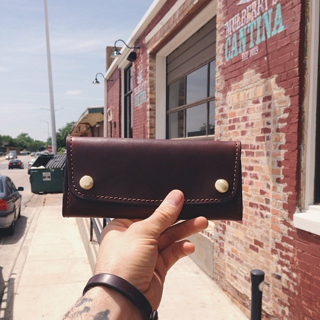 Bell and Oak,  we love you. Please keep making beautiful stuff out of leather. This is the Mulberry Wallet.