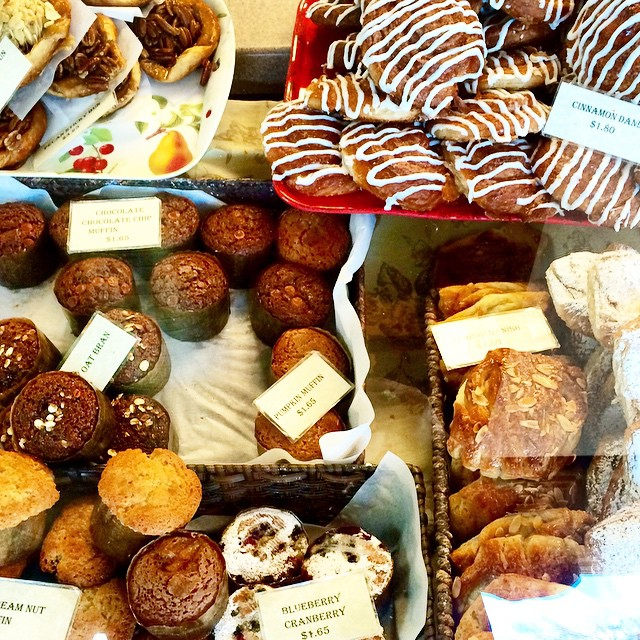 Y'all keep taking these photos of pastries at Ravelin and we'll keep posting them.