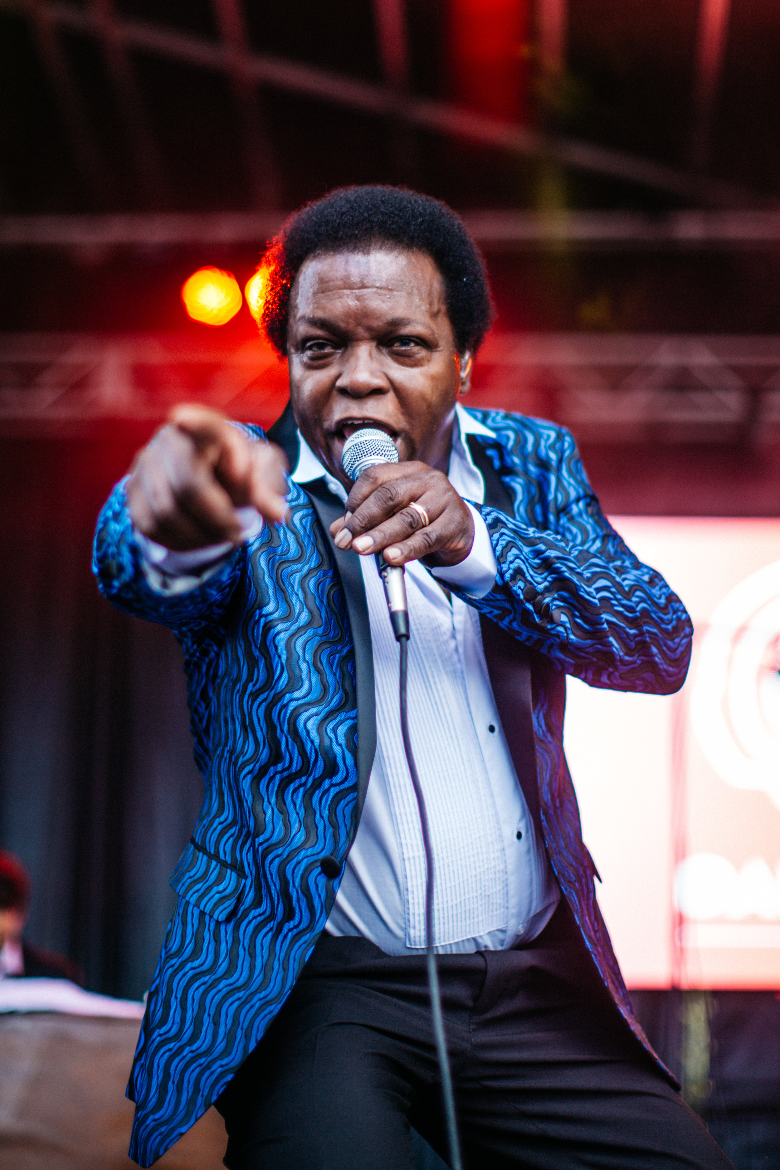 Lee Fields pointing.Photo by  Wesley Kirk .