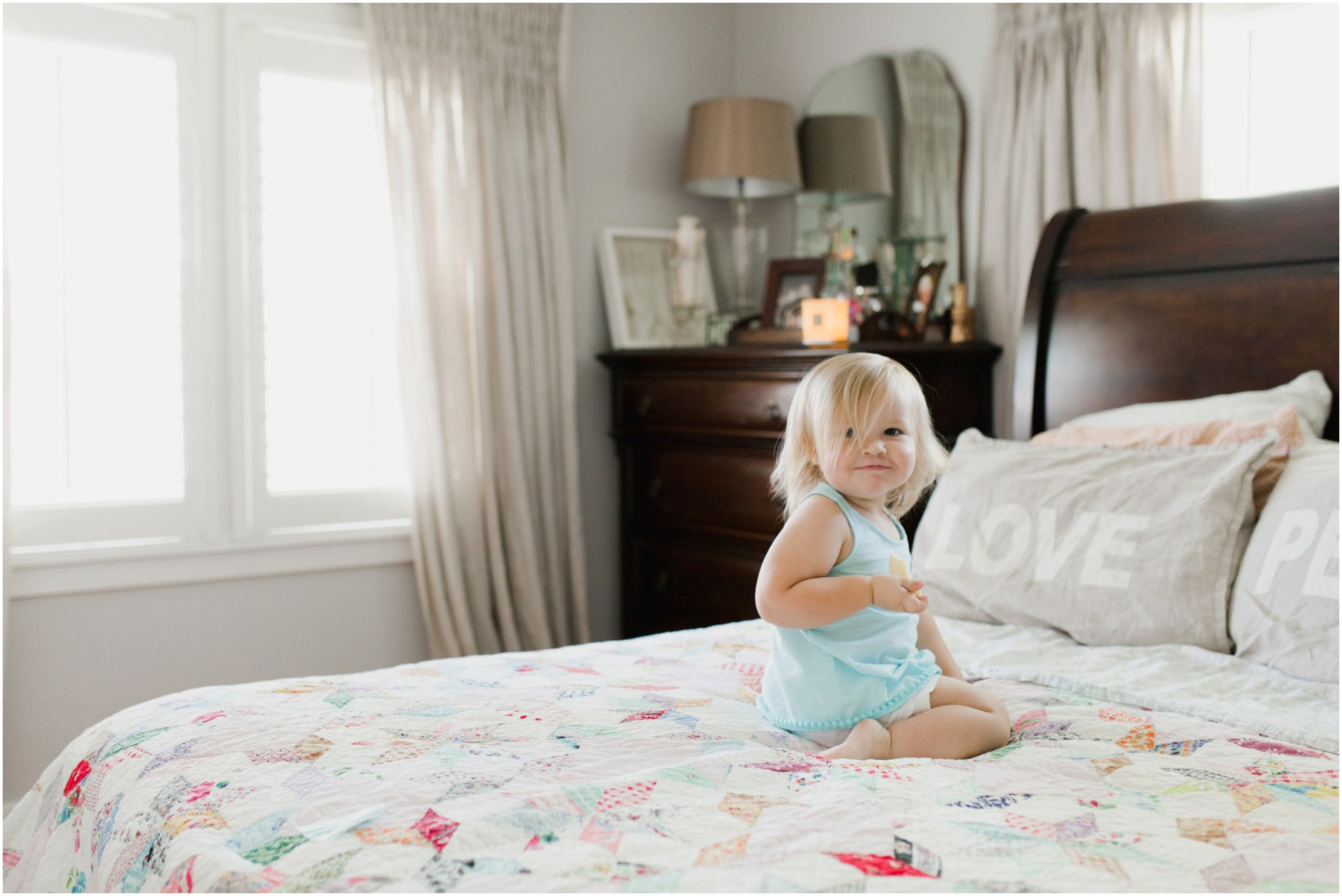 child_photography_oklahoma_playful_fun_in_home_lifestyle