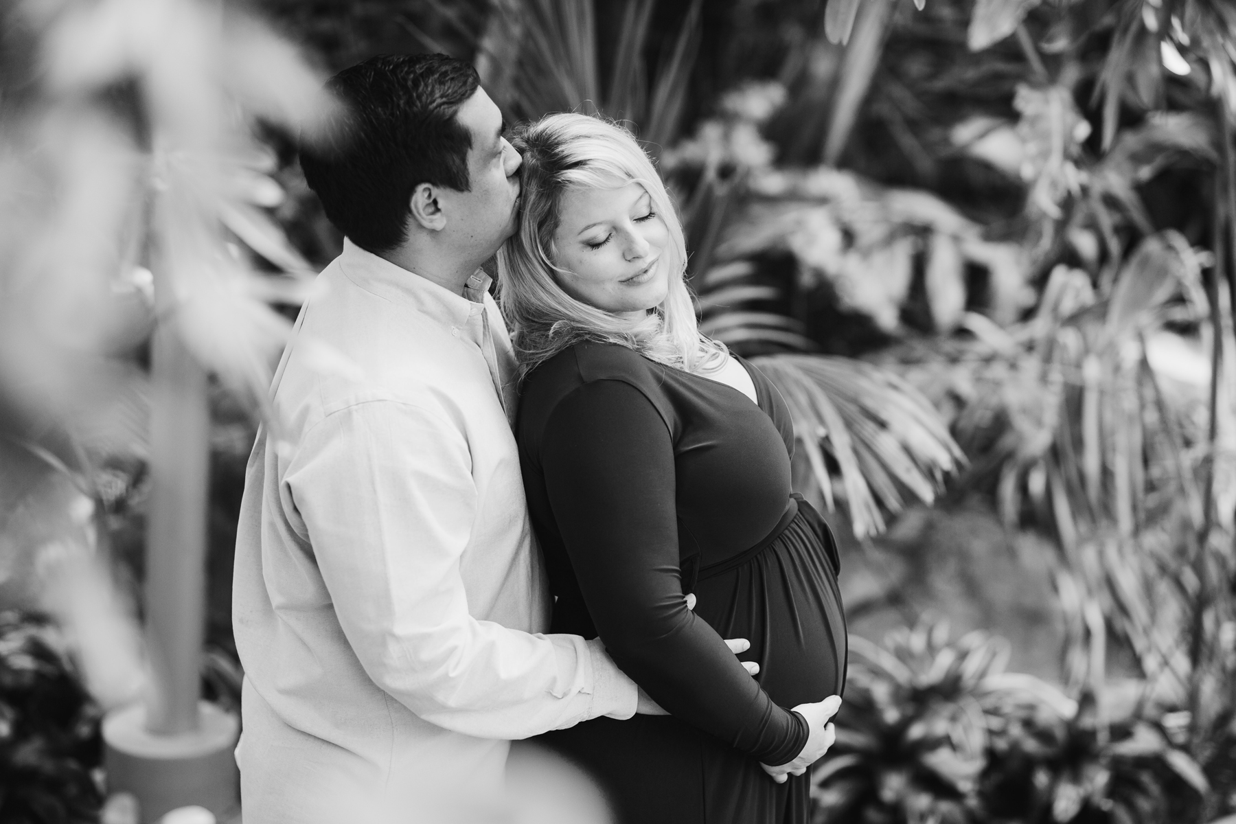 Best_Pregnancy_Photorapher_Oklahoma_City_Myriad_Gardens.jpg