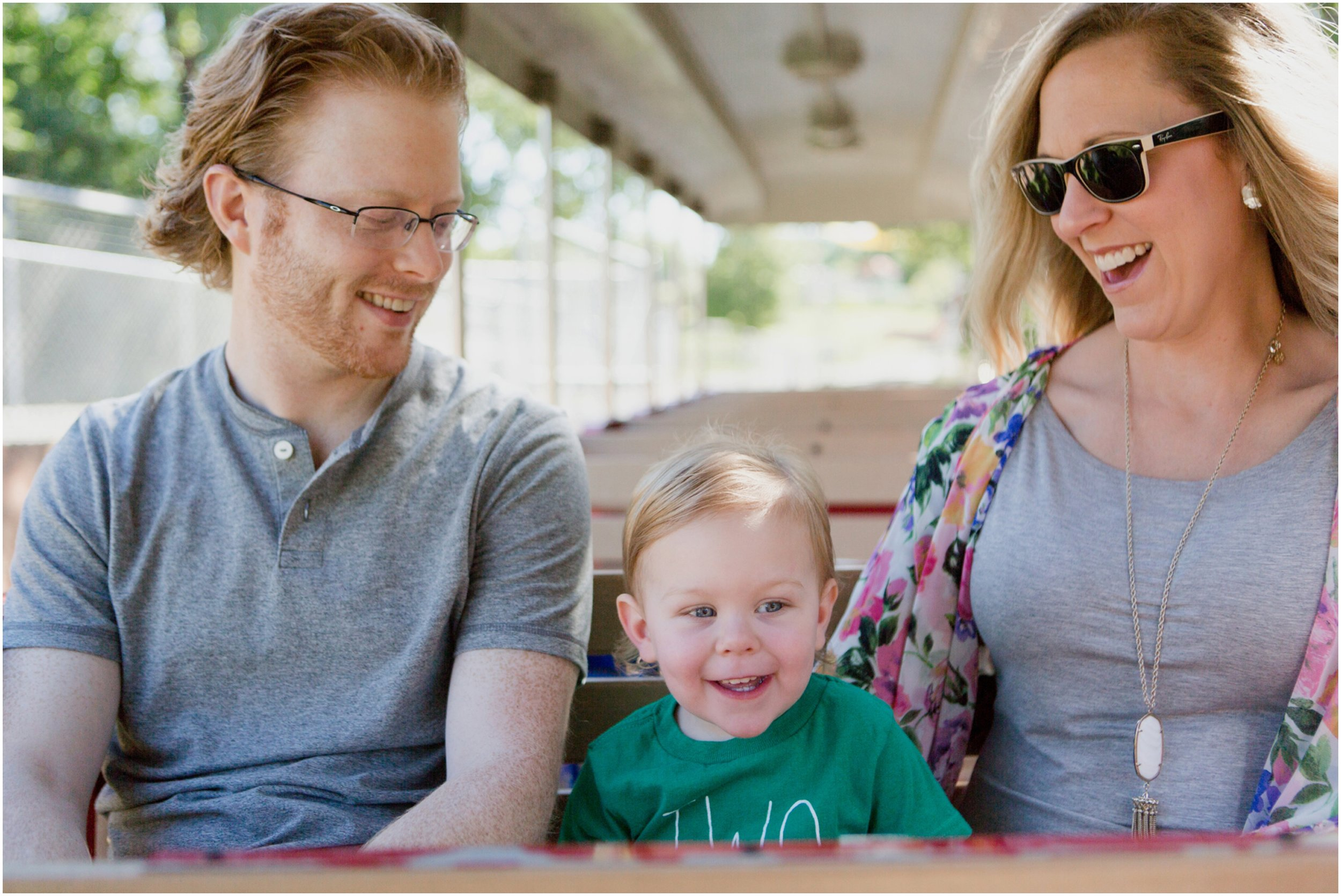 OKC_zoo_candid_family_photography_2_year_birthday.jpg