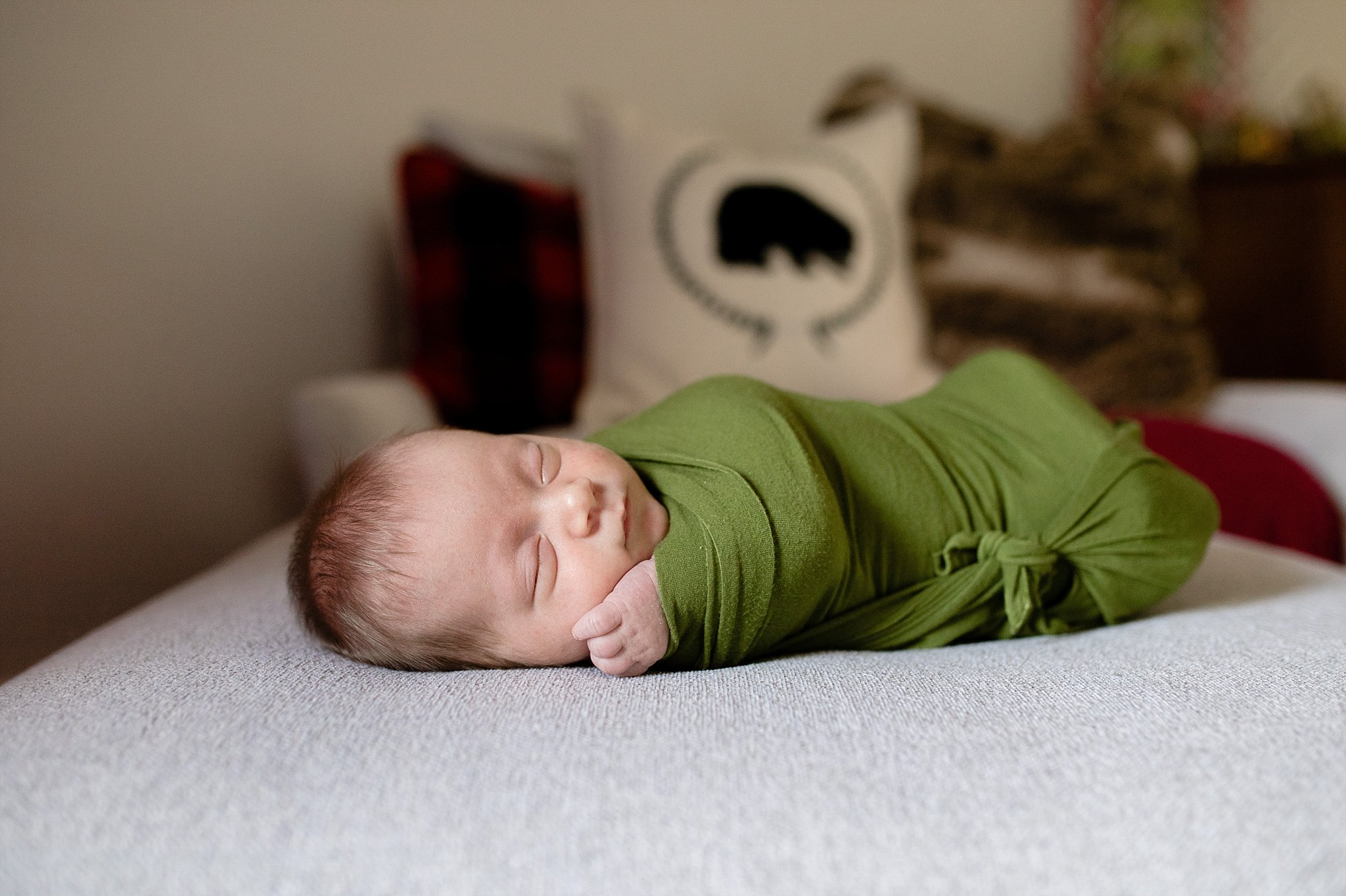 lifestyle-newborn-photographer-baby-swaddle-oklahoma.jpg