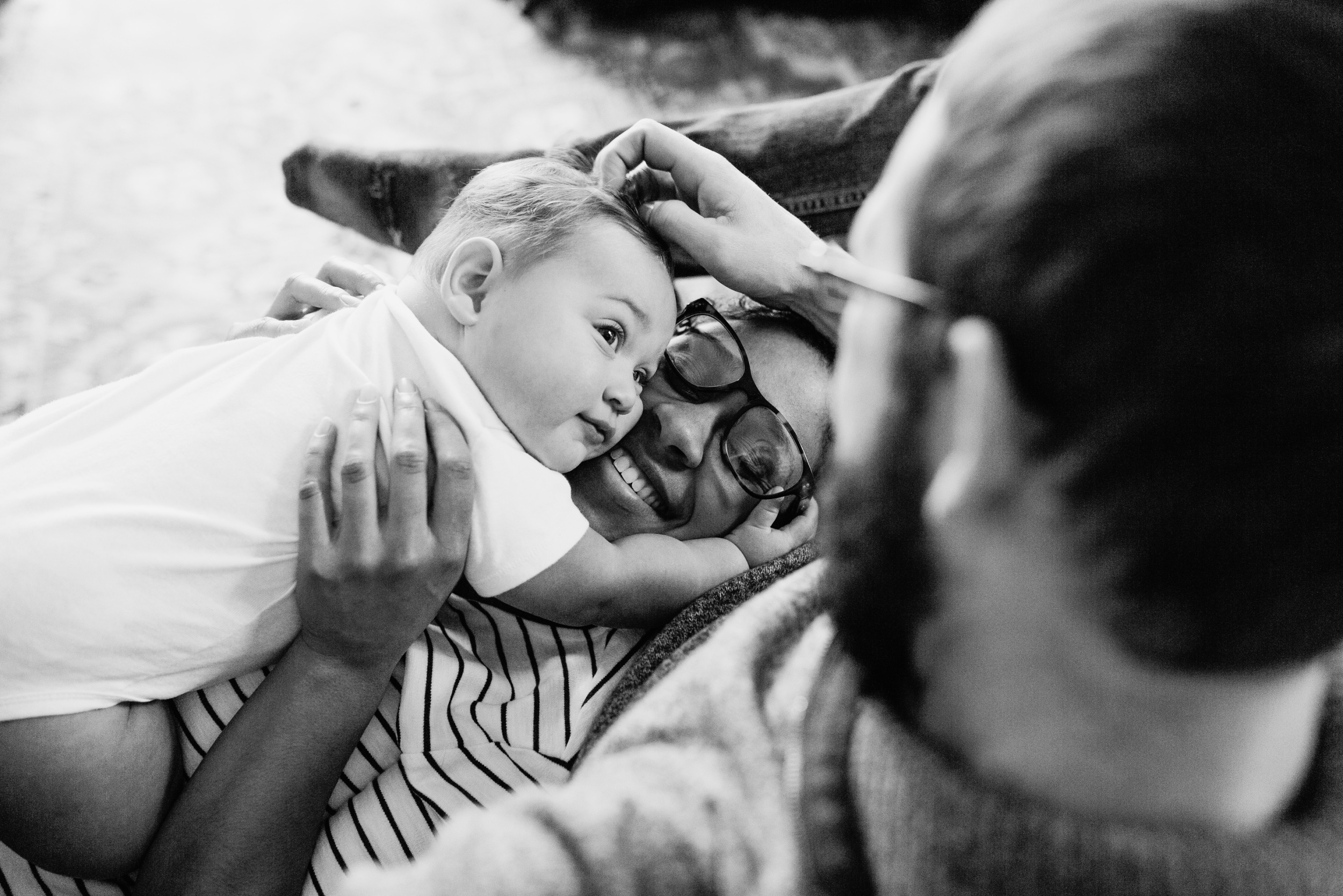 oklahoma-family-newborn-photography-baby-milestone-lifestyle-black-white-photo.jpg