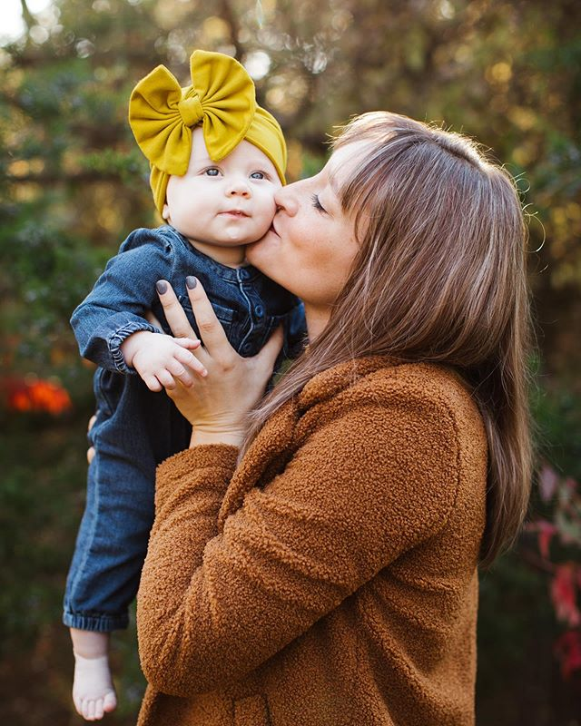 Currently recovering from my son's first school field trip. Send caffeine. 😴  #okc #okcphotographer #okcfamilyphotographer #tiredmom #fallphotoshoot #momentsoverposes #letsclicksoc