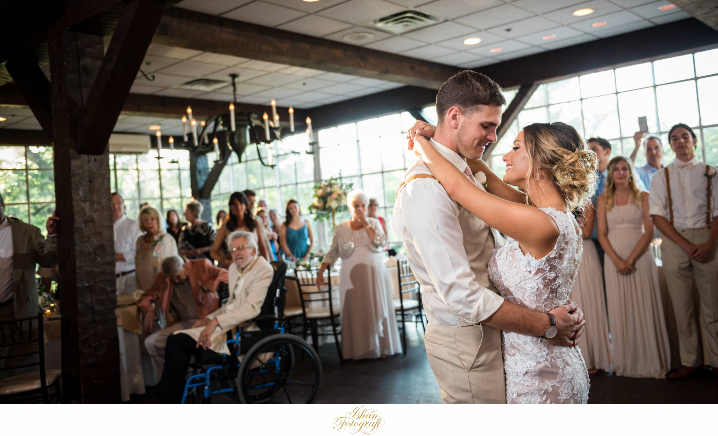the-smithville-inn-wedding-reception